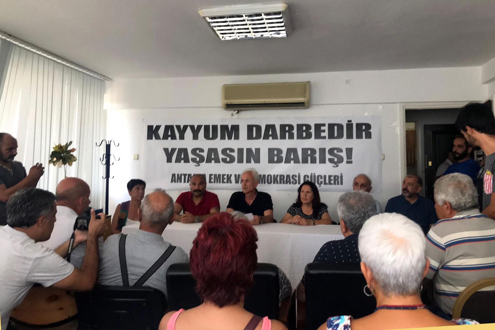 Antalya'da 1 Eylül mitingindeki kısıtlamalar protesto edildi