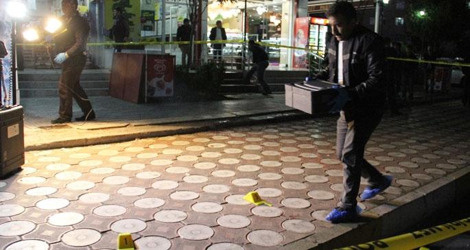 Diyarbakır'da emniyet müdür yardımcısının koruması silahlı saldırıda yaralandı