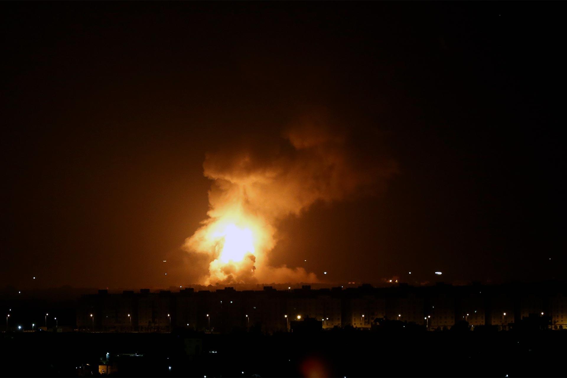 İsrail'den Gazze'ye kara ve hava saldırıları