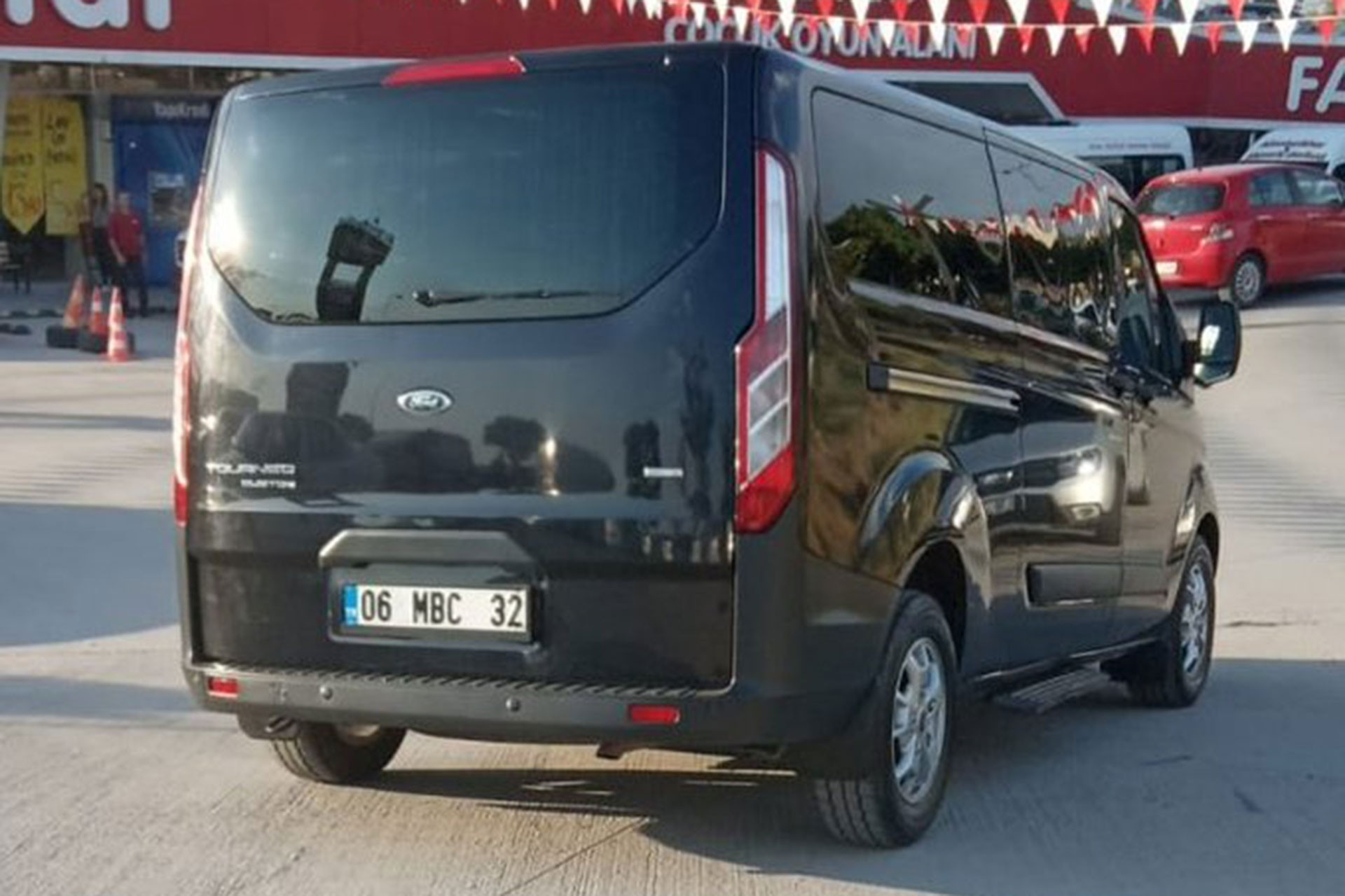 Ankara'da Eğitim Sen üyesi öğretmen siyah minibüsle kaçırılmak istendi