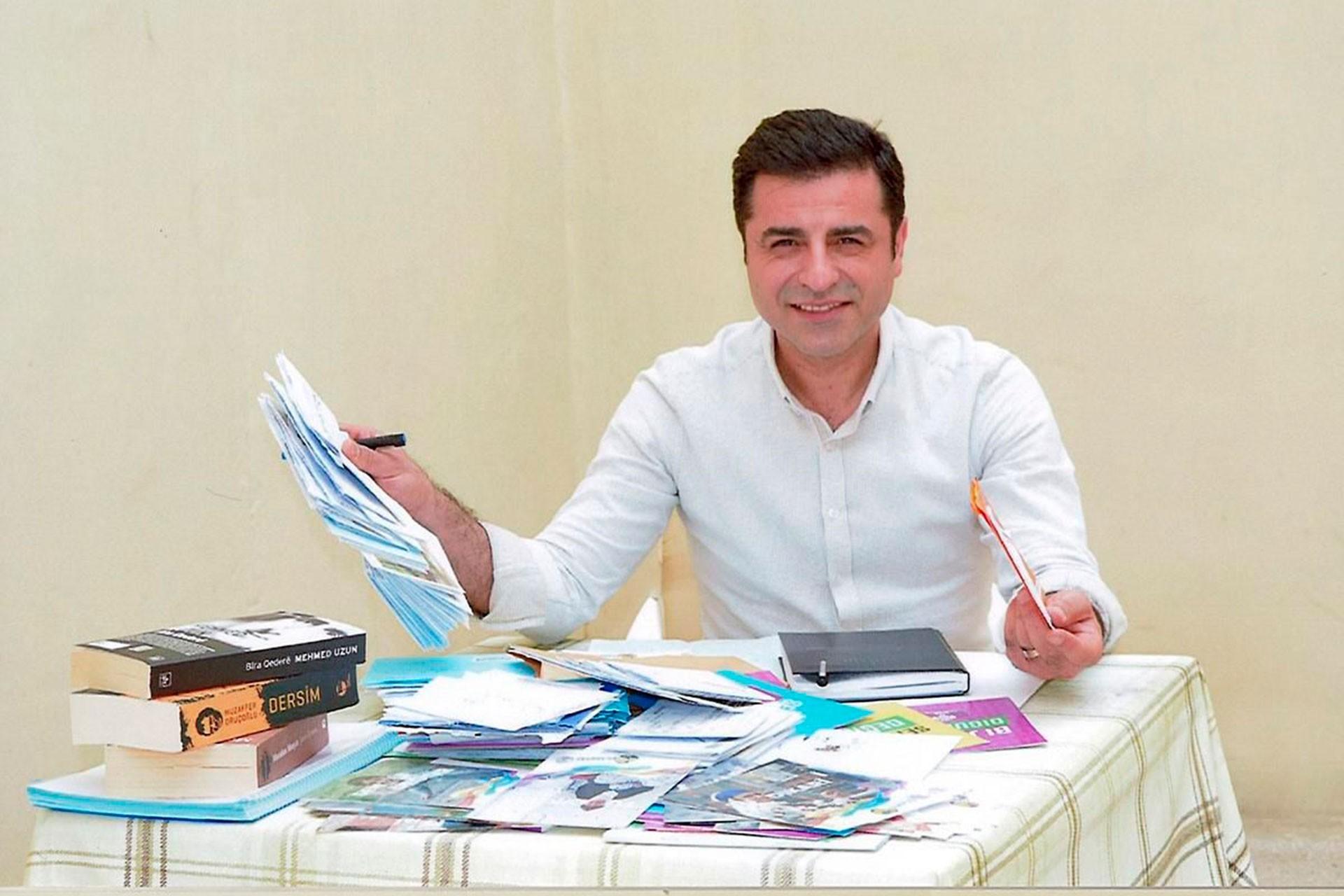 Demirtaş'ın avukatları: Mahsupla ilgili hâlâ karar çıkmadı, artık tahliye edilmeli