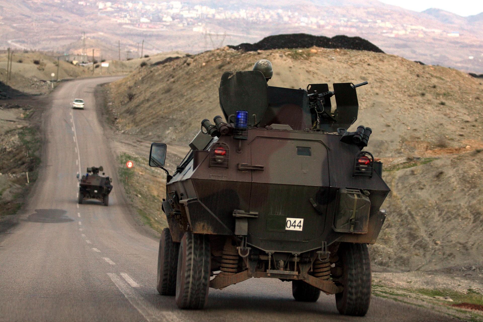 Tel Abyad'da ve Hakkari'de 2 asker hayatını kaybetti