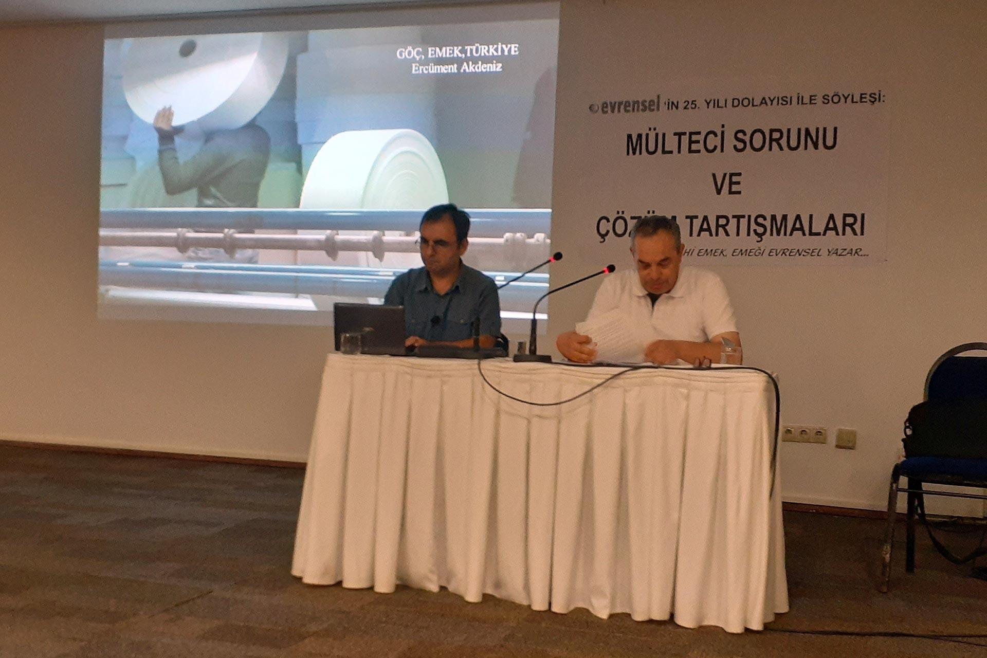 İzmir'de mülteci sorunu ve çözüm önerileri tartışıldı