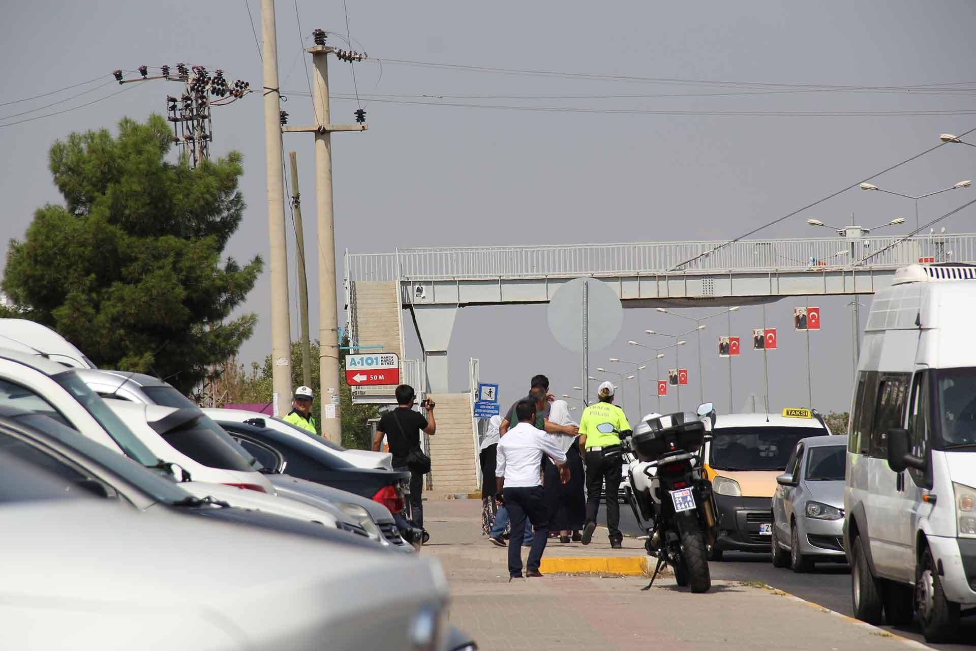 Diyarbakır'da beyaz tülbentli anneler gözaltına alındı