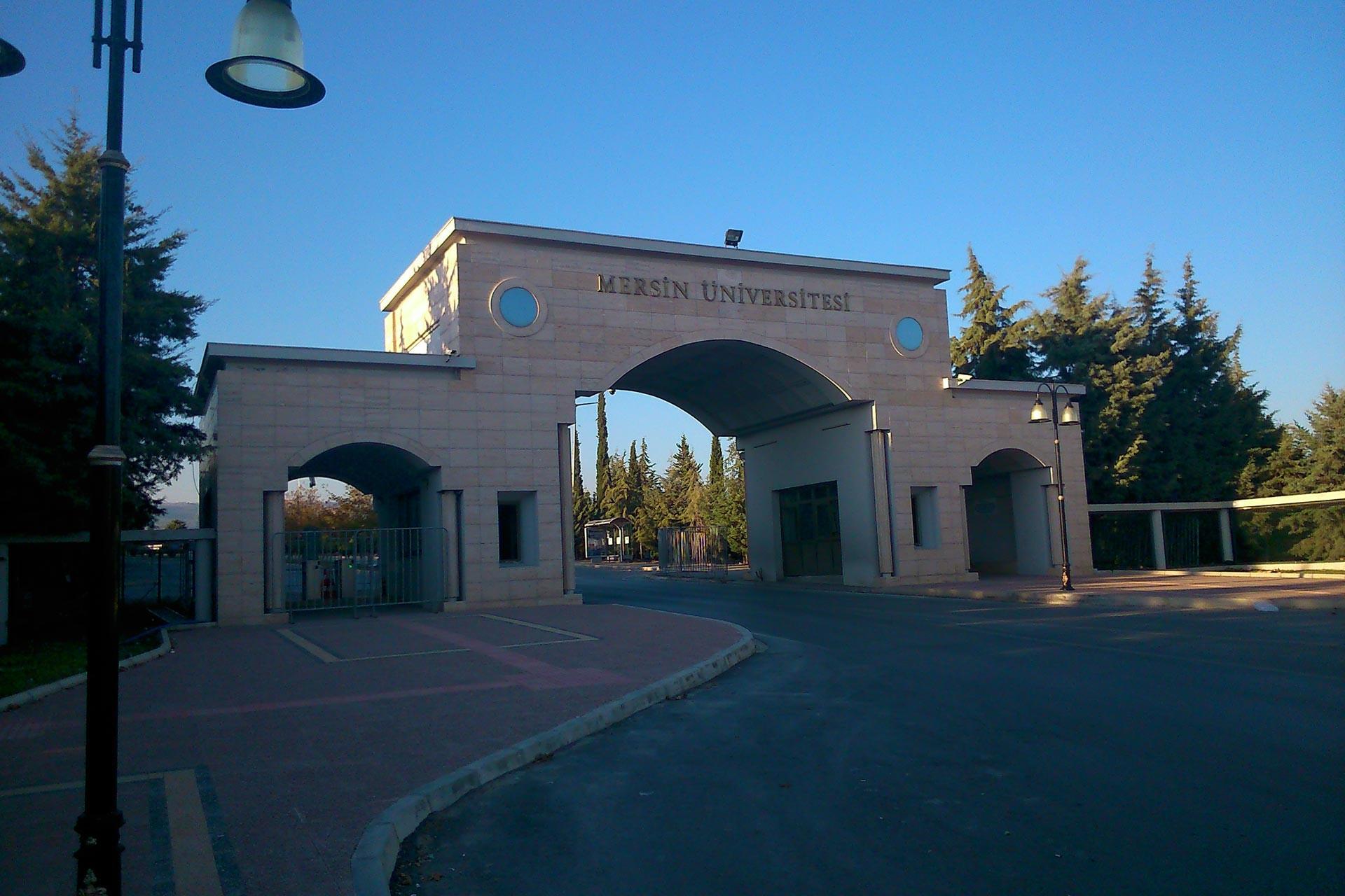 Mersin Üniversitesi öğrencilerinden yemekhane zammına karşı boykot çağrısı