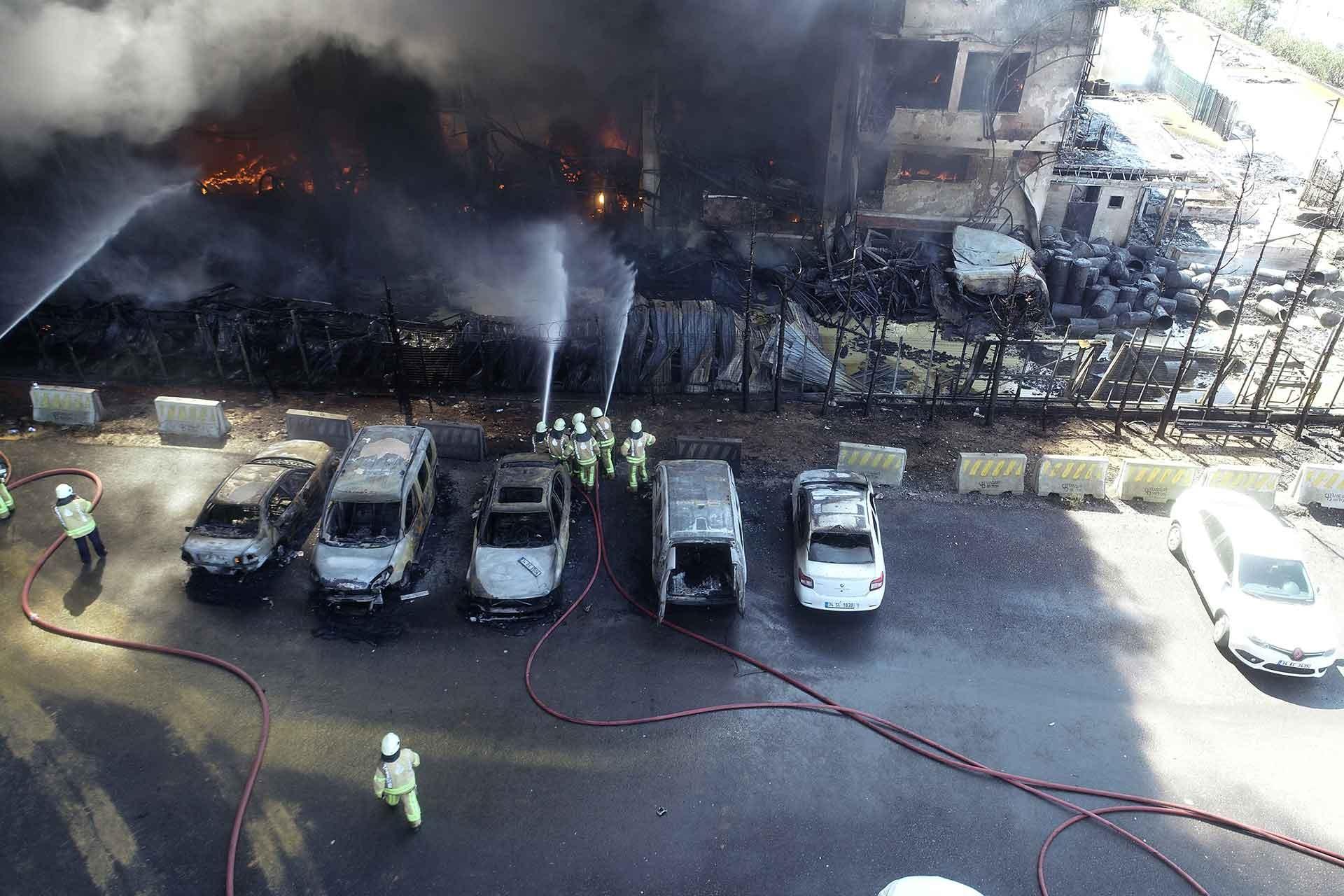 Tuzla'daki fabrika yangını
