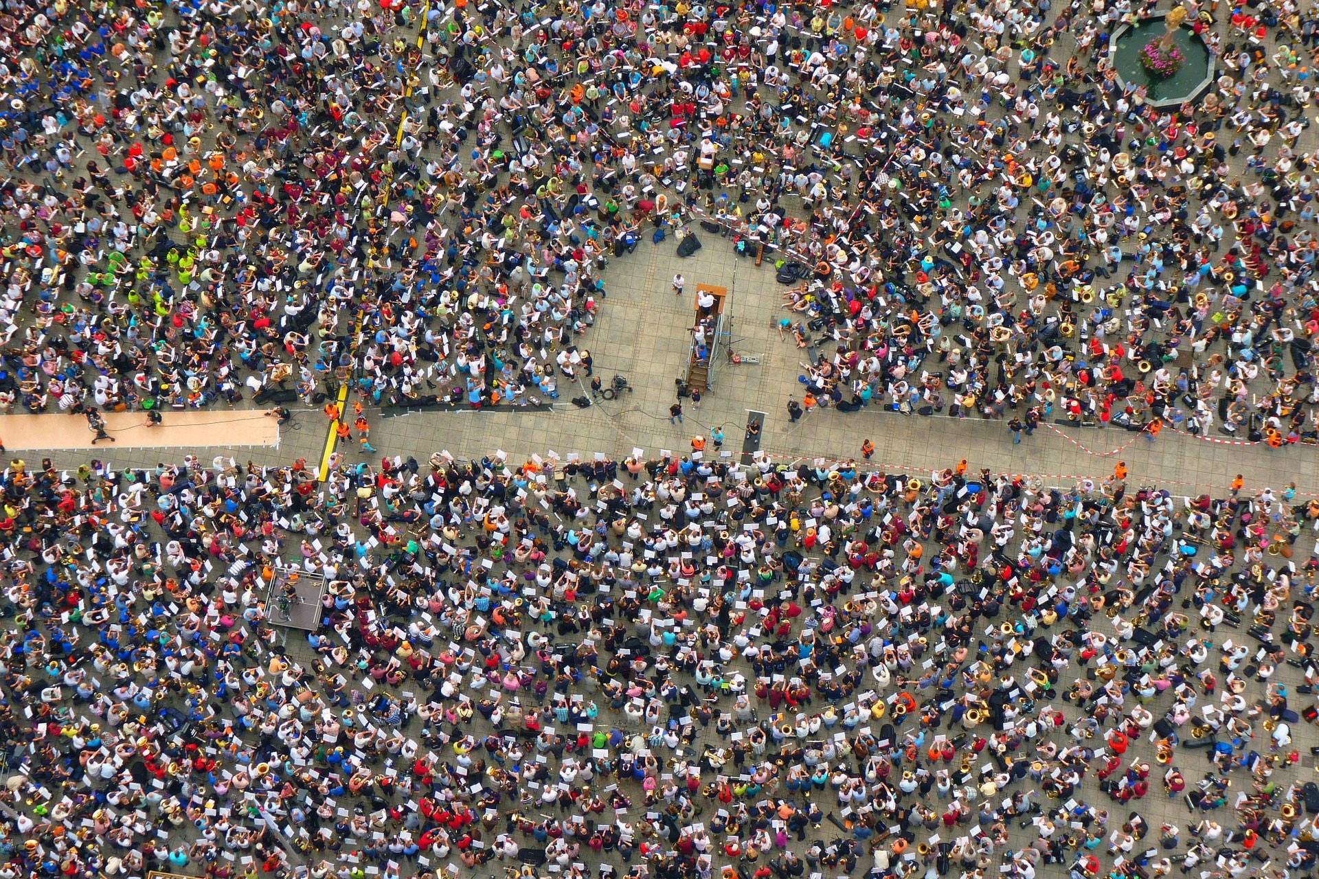 Sri Lanka'da doktorlar ücret artışı talebiyle greve çıktı