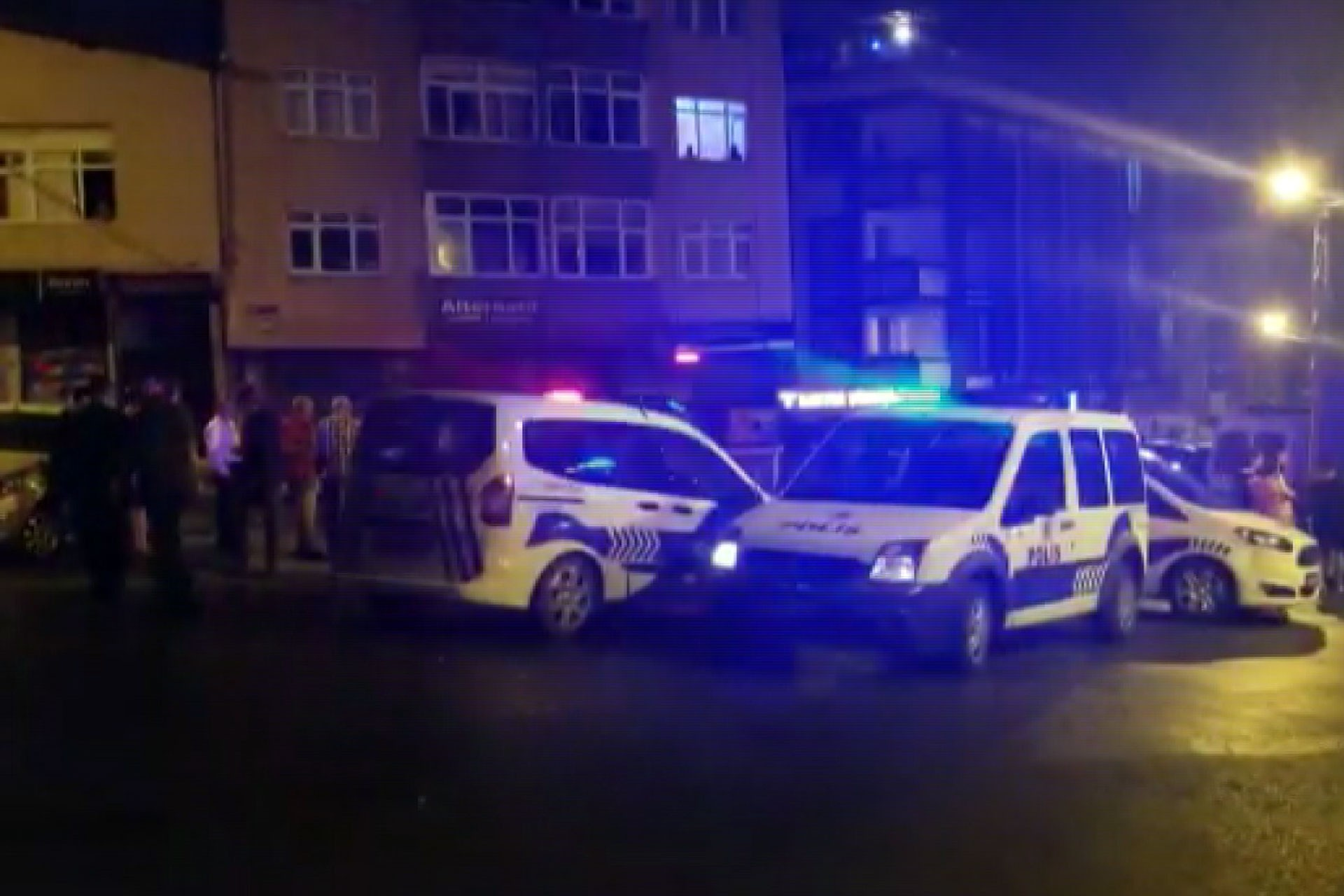 Eyüpsultan'da eşini darbedip silahla yaralayan erkek gözaltına alındı