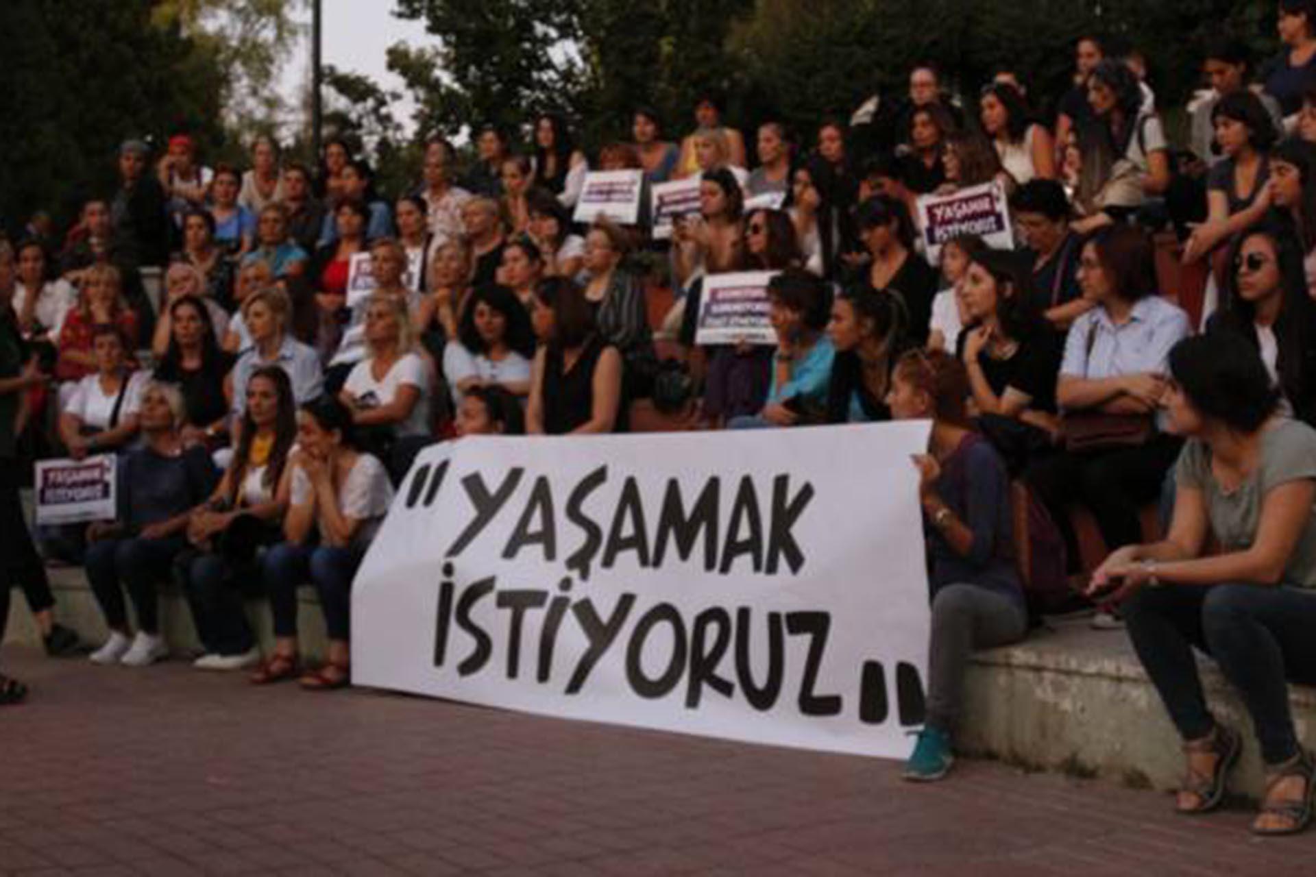 Patnos'ta, eşini ve kızını öldüren adam adliyeye sevkedildi