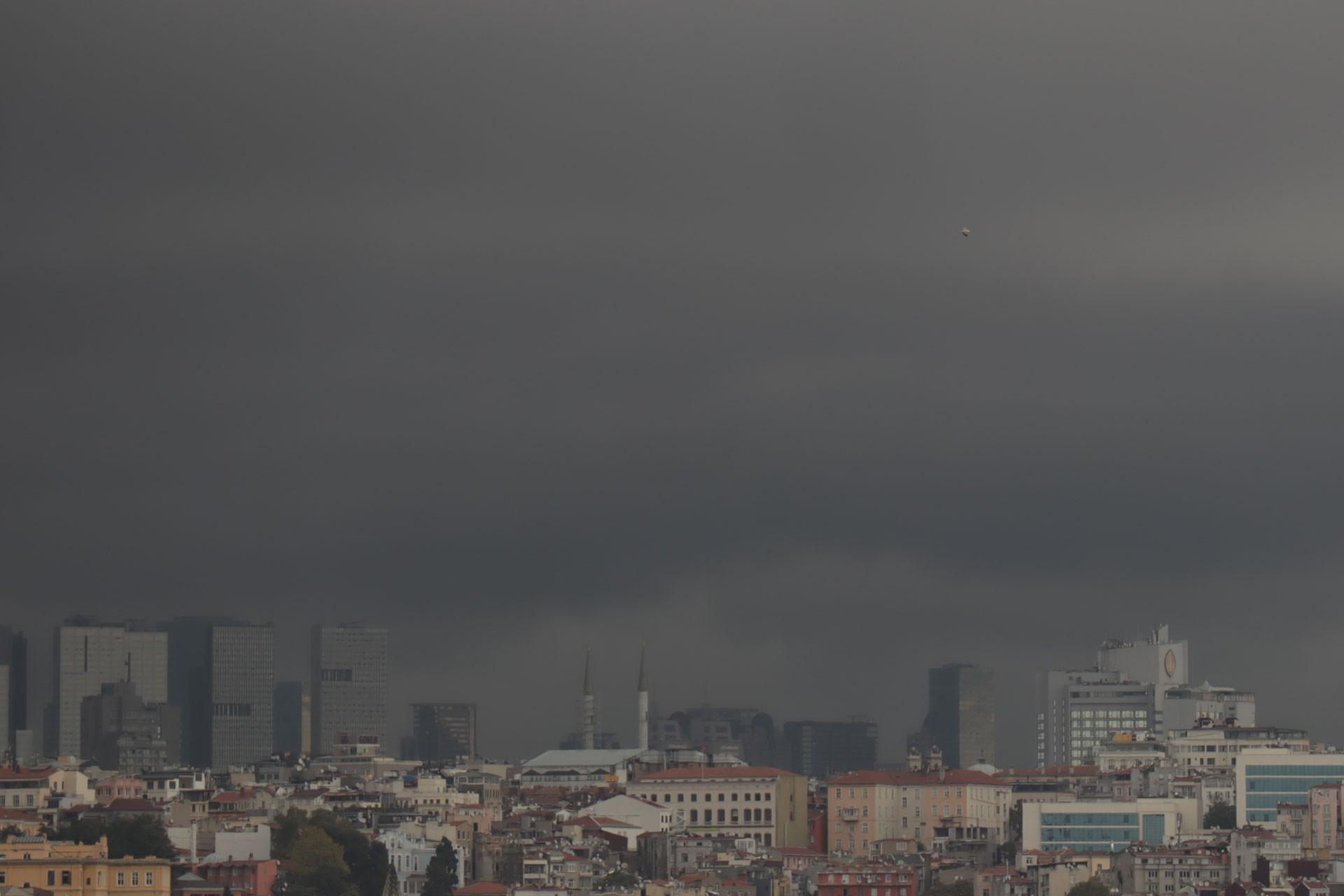 İstanbul'da yağış başladı; Marmara için kuvvetli yağış uyarısı yapıldı