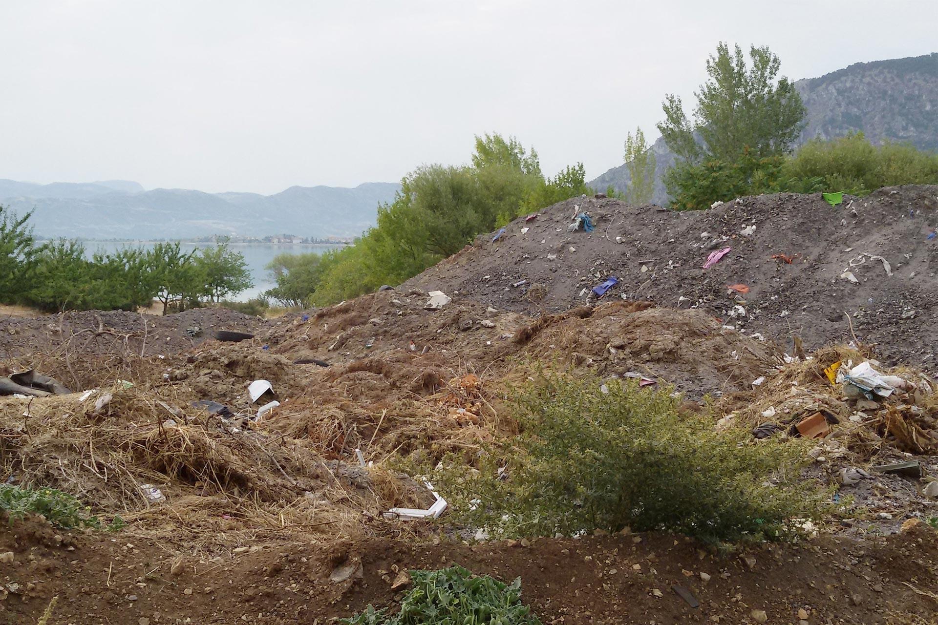 Eğirdir Gölü çöp tehdidi altında