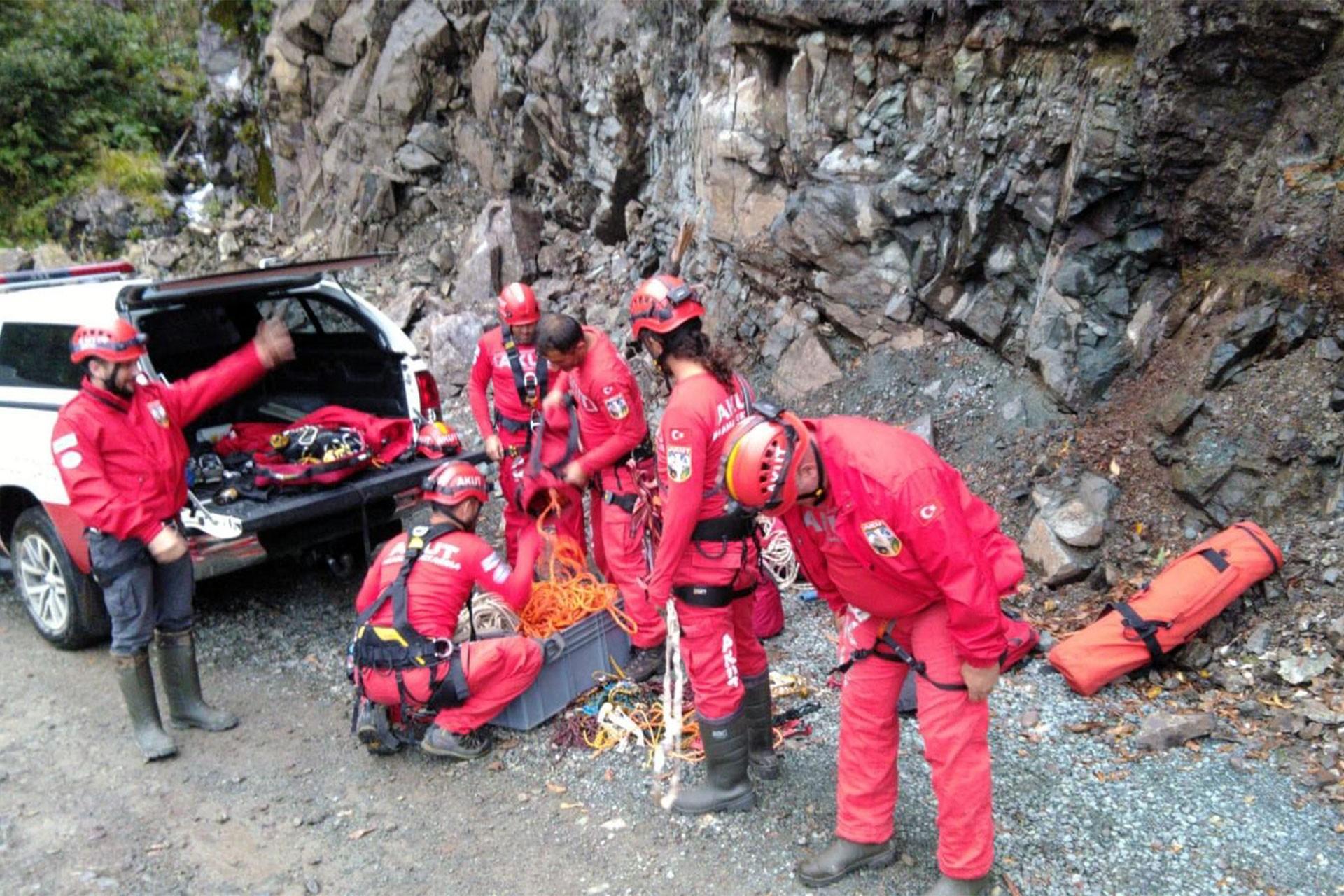 Artvin'de HES inşaatında iş cinayeti: 2 işçi 300 metrelik uçumrumdan yuvarlandı