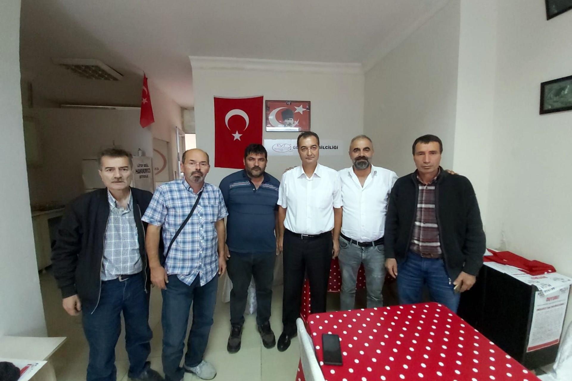 EYT'liler Gebze'de Genel Kurul ile yeni yönetimi belirledi