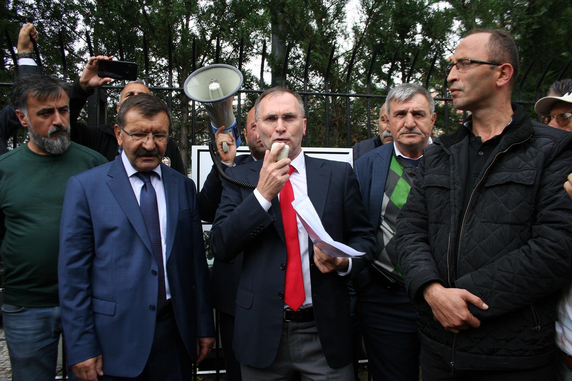 İddaa bayileri, komisyonlarının düşürülmesini protesto etti