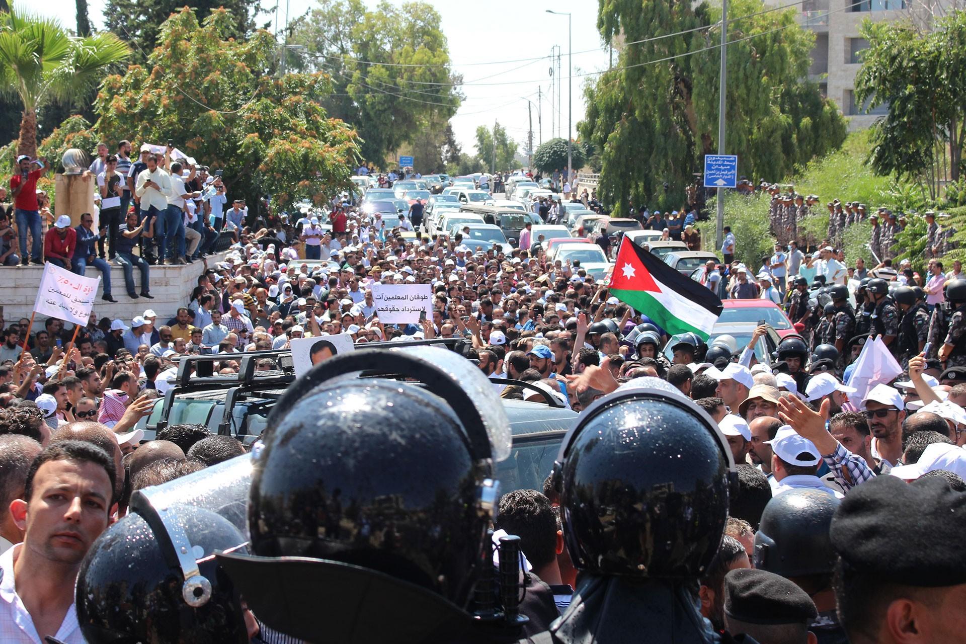Ürdün'de öğretmenlerin grevi yasağa rağmen sürüyor; destek büyüyor