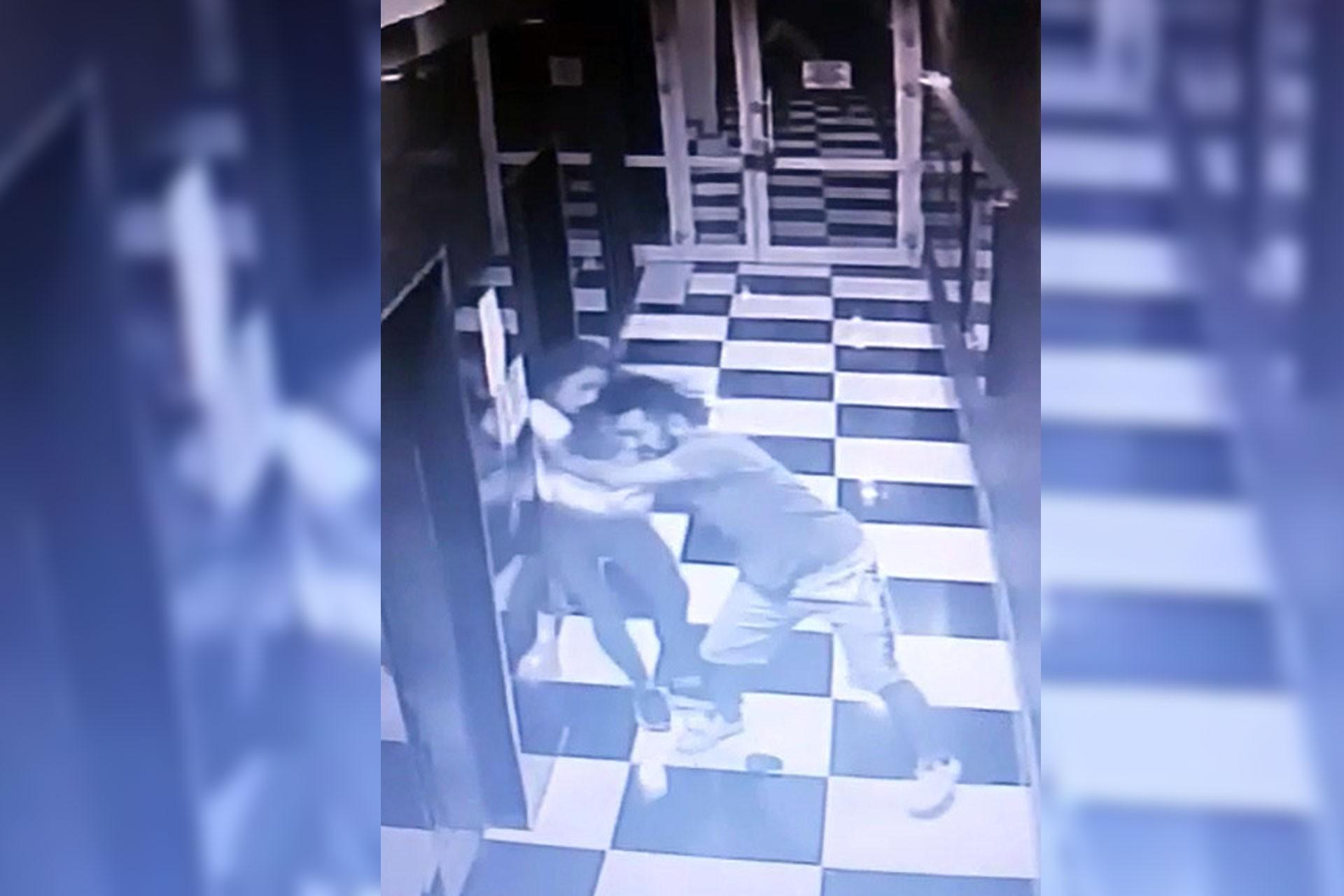 Sevgilisi tarafından asansör boşluğuna itilen kadın yaşam savaşı veriyor