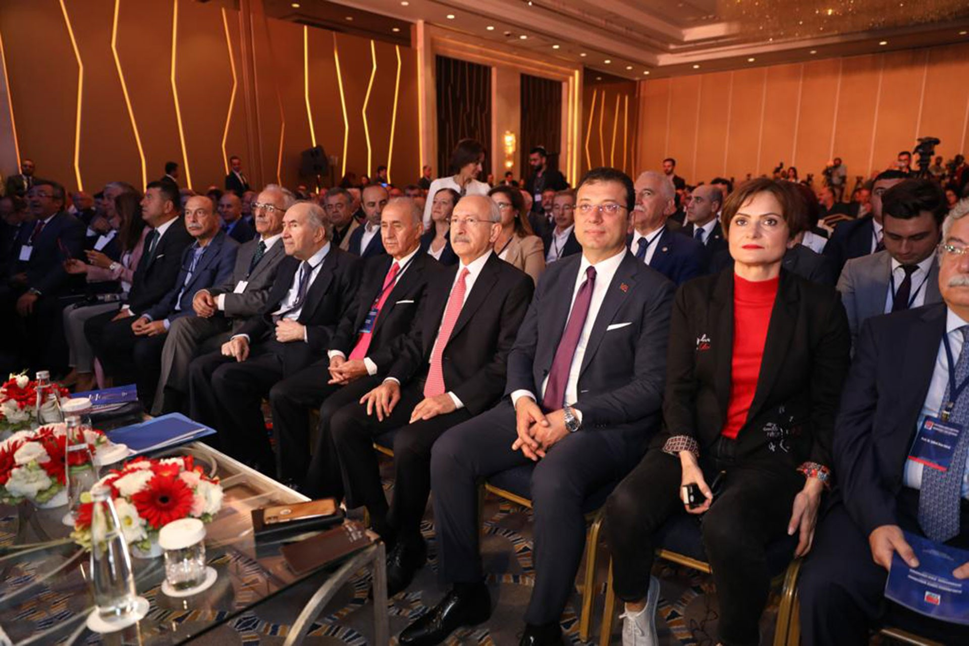 CHP'nin Suriye Konferansı:  ABD-Rusya ile değil, Suriye ile komşuluk geliştirilmeli