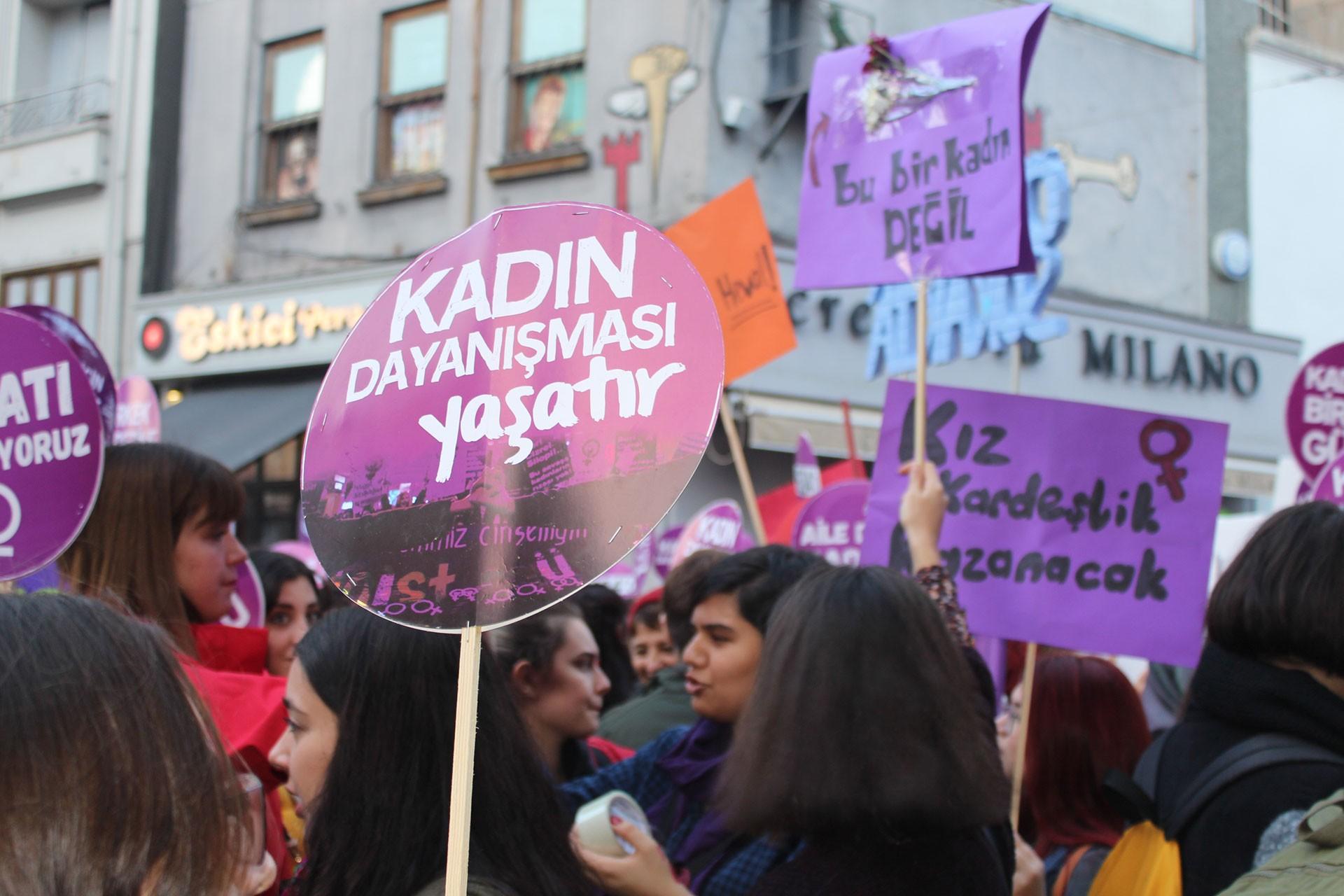 EMEP'li kadınlardan şiddet gören Fatma Selen Ö. için açıklam: Yanındayız
