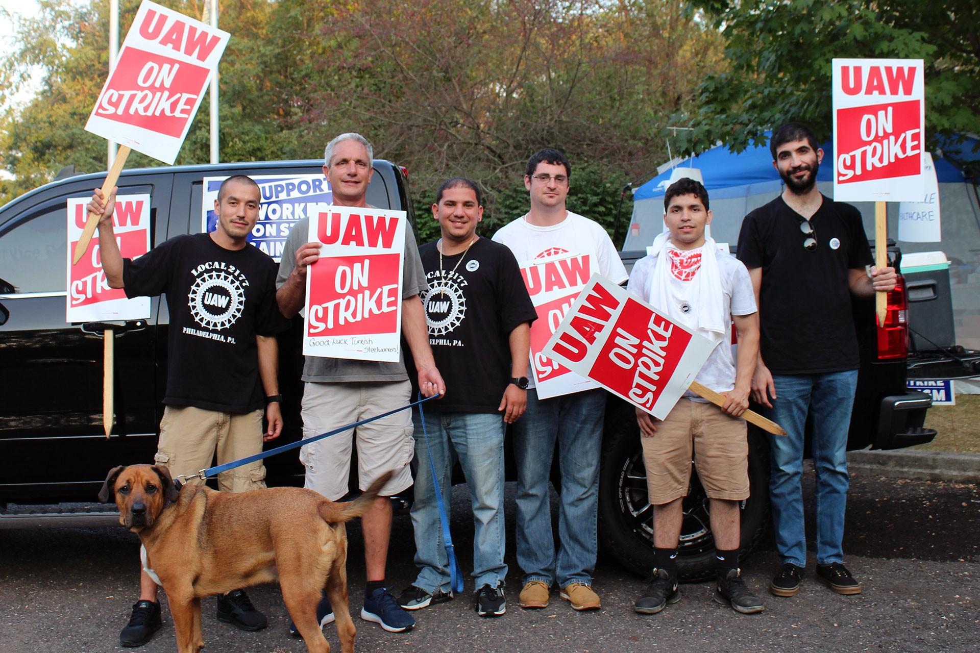 Ford işçileri, ABD'de grevde olan GM işçilerine Evrensel aracılığıyla seslendi