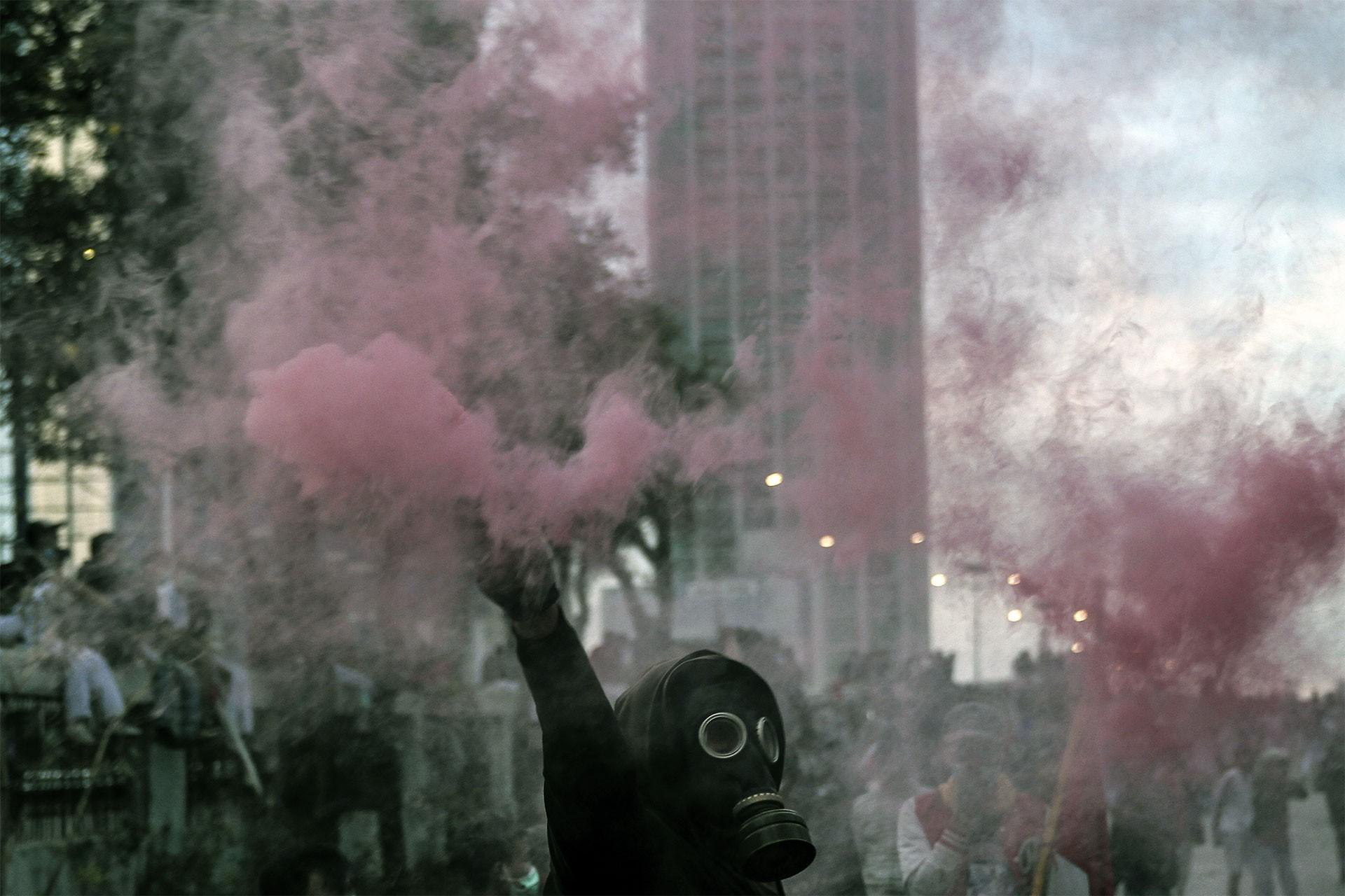 Endonezya'da yolsuzluk ve hükümet protestoları sürüyor