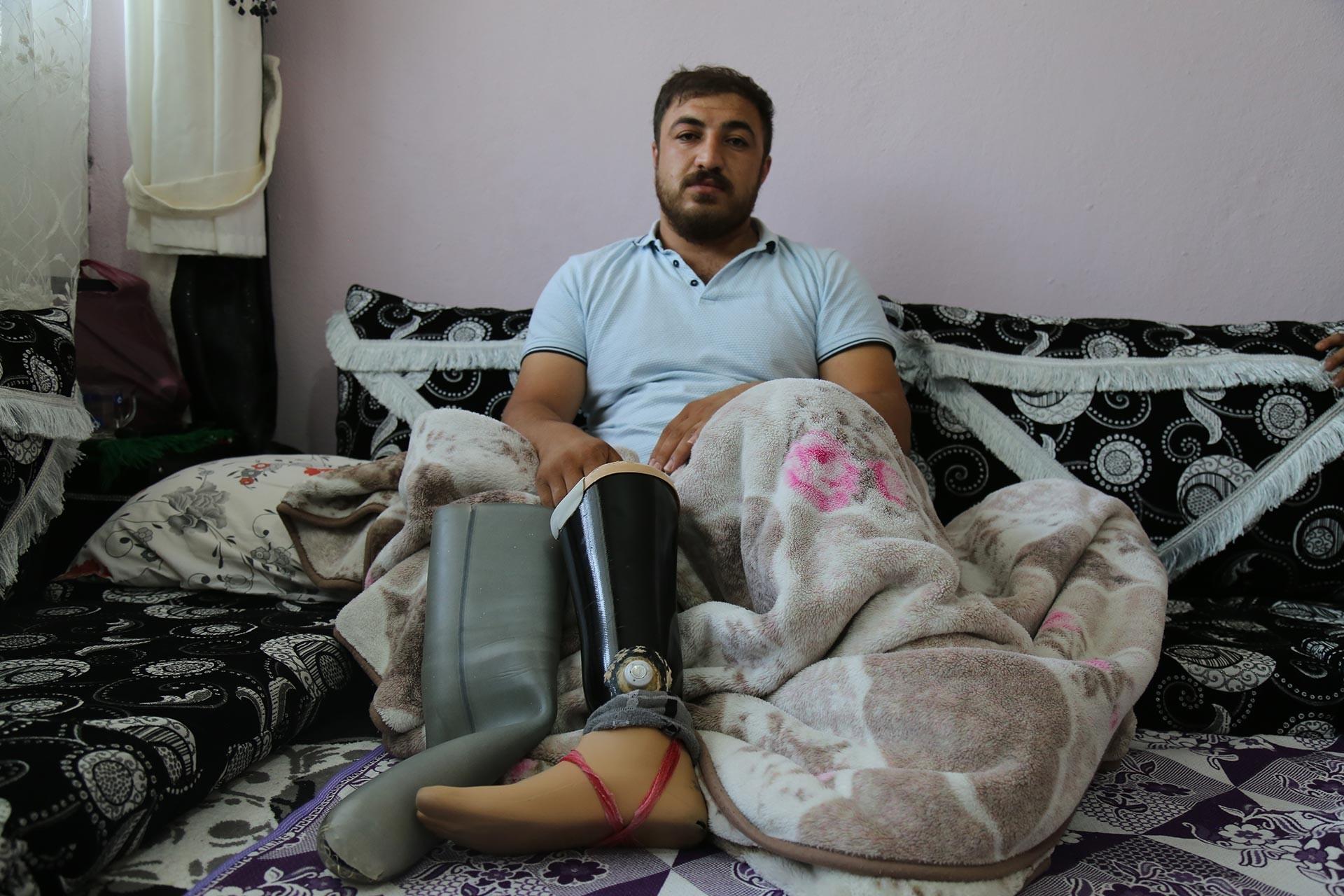 Mayın patlamasında bacağını kaybeden Ünal Demir protezini değiştiremiyor