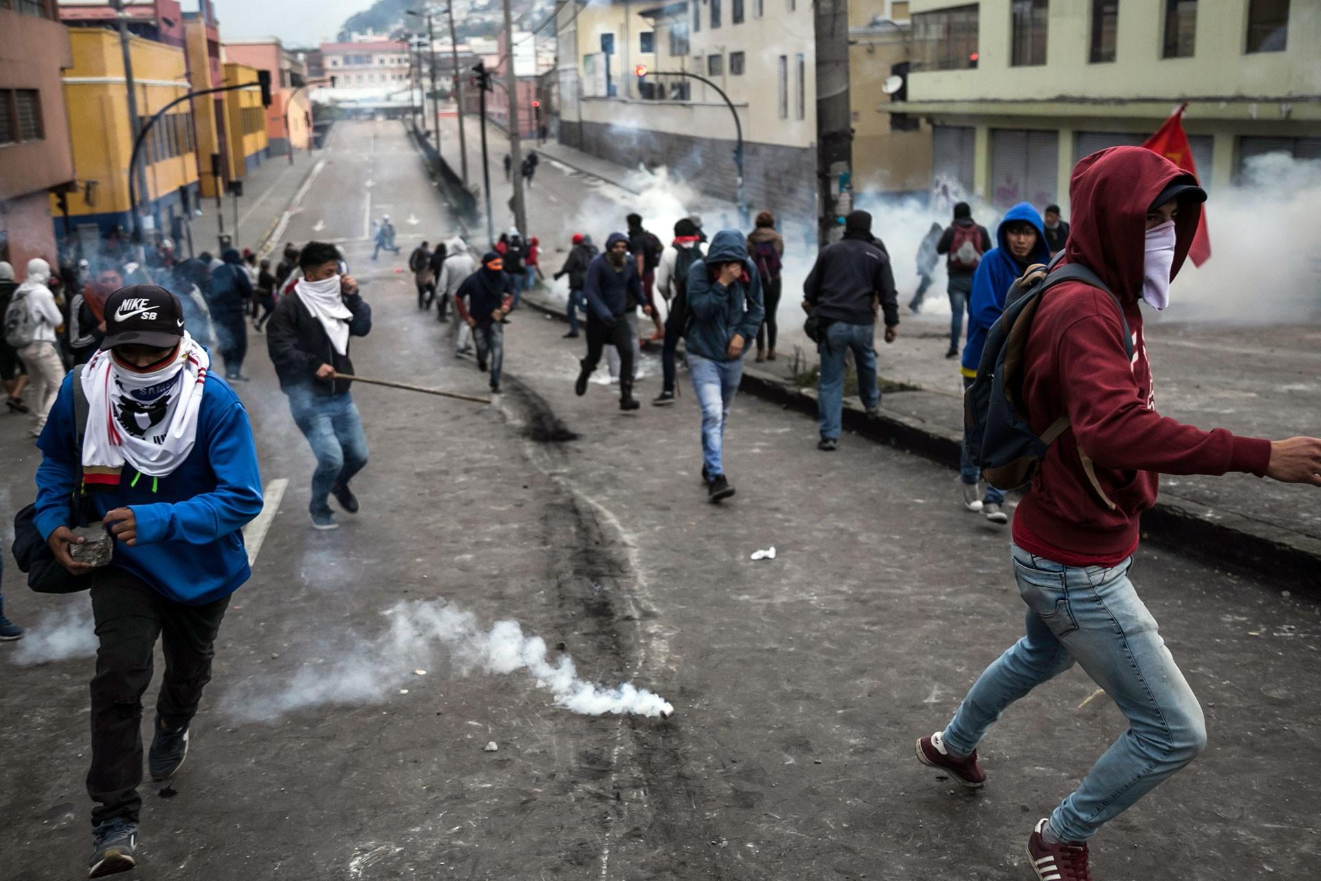 Ekvador'daki grev ve protestolarda 50 polis rehin alındı