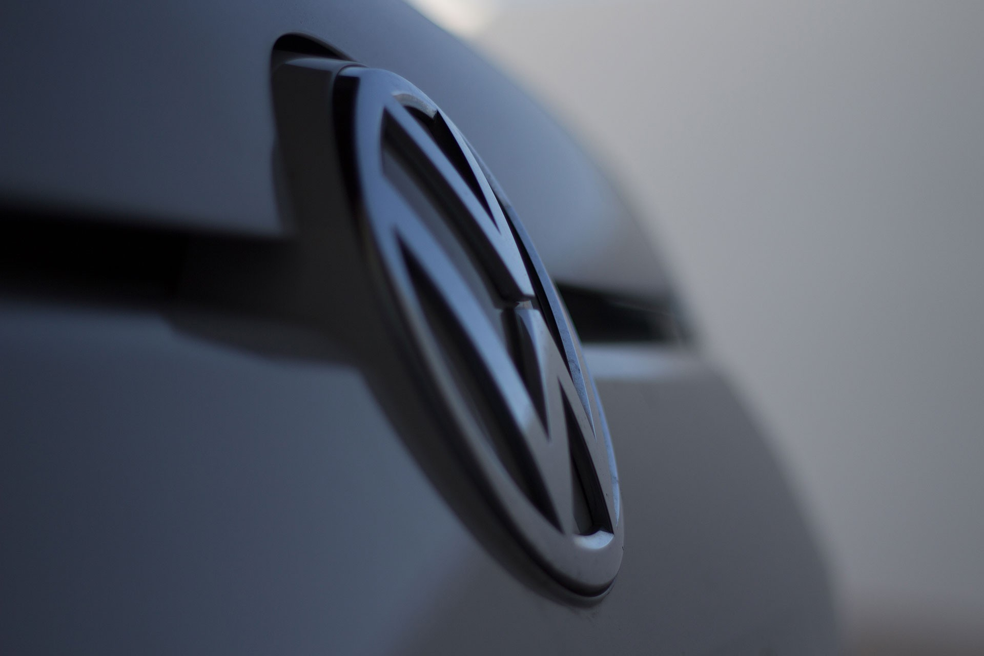 Volkswagen Türkiye'de fabrika kurma kararını erteledi