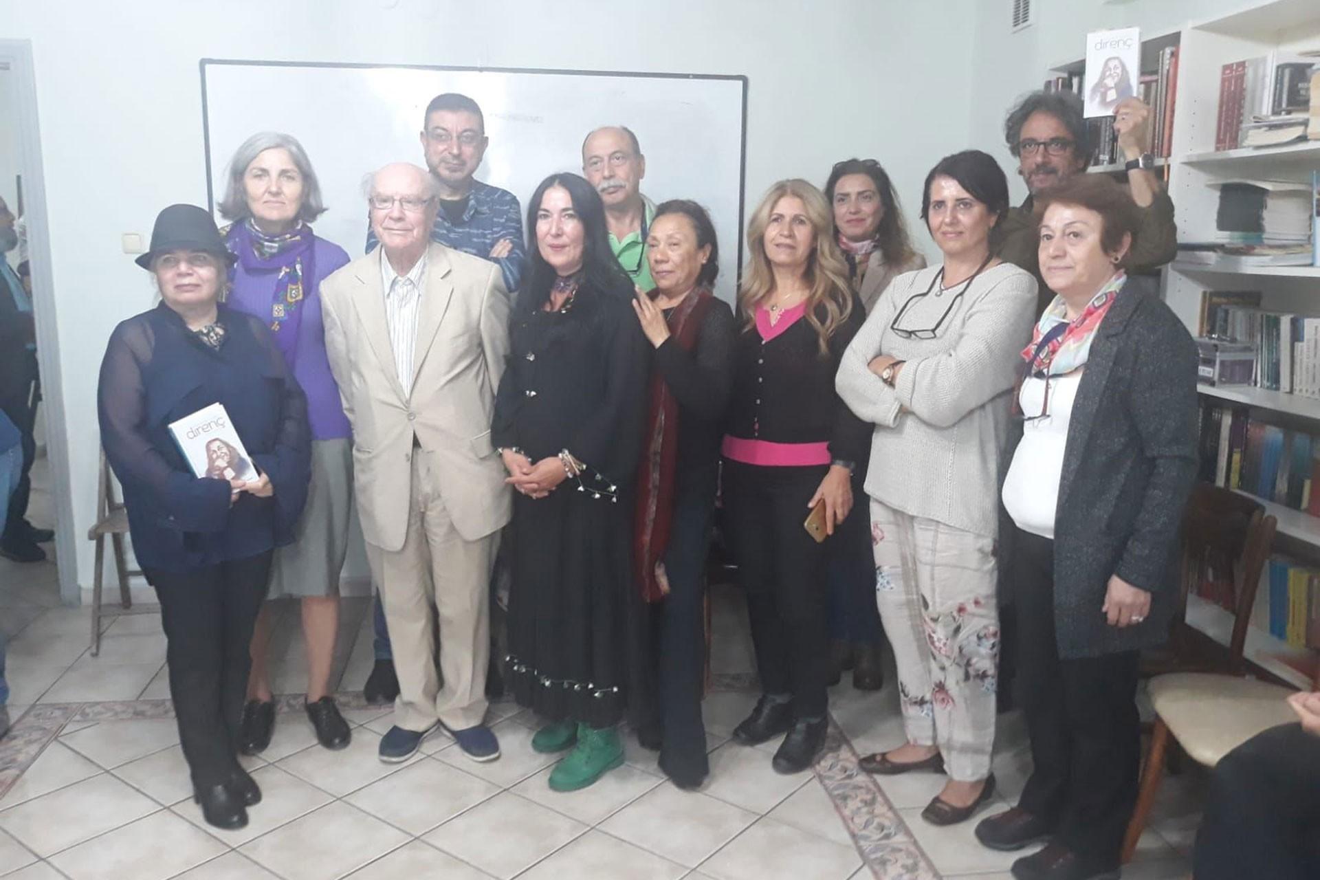 Sennur Sezer İstanbul'da şiirlerle anıldı