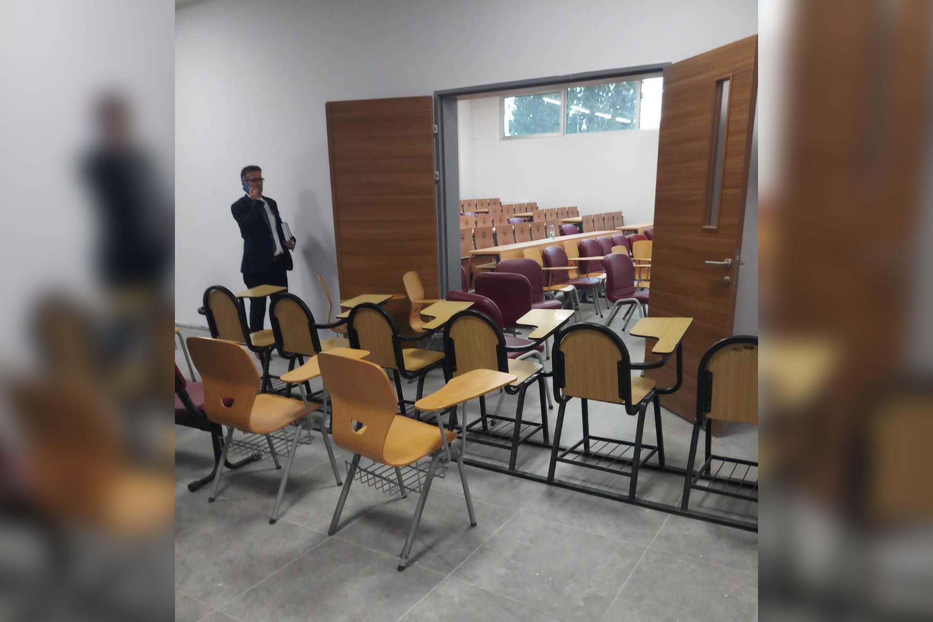 CHP'li Tanal: Binalarına el konulan öğrenciler koridorlarda ders görüyor