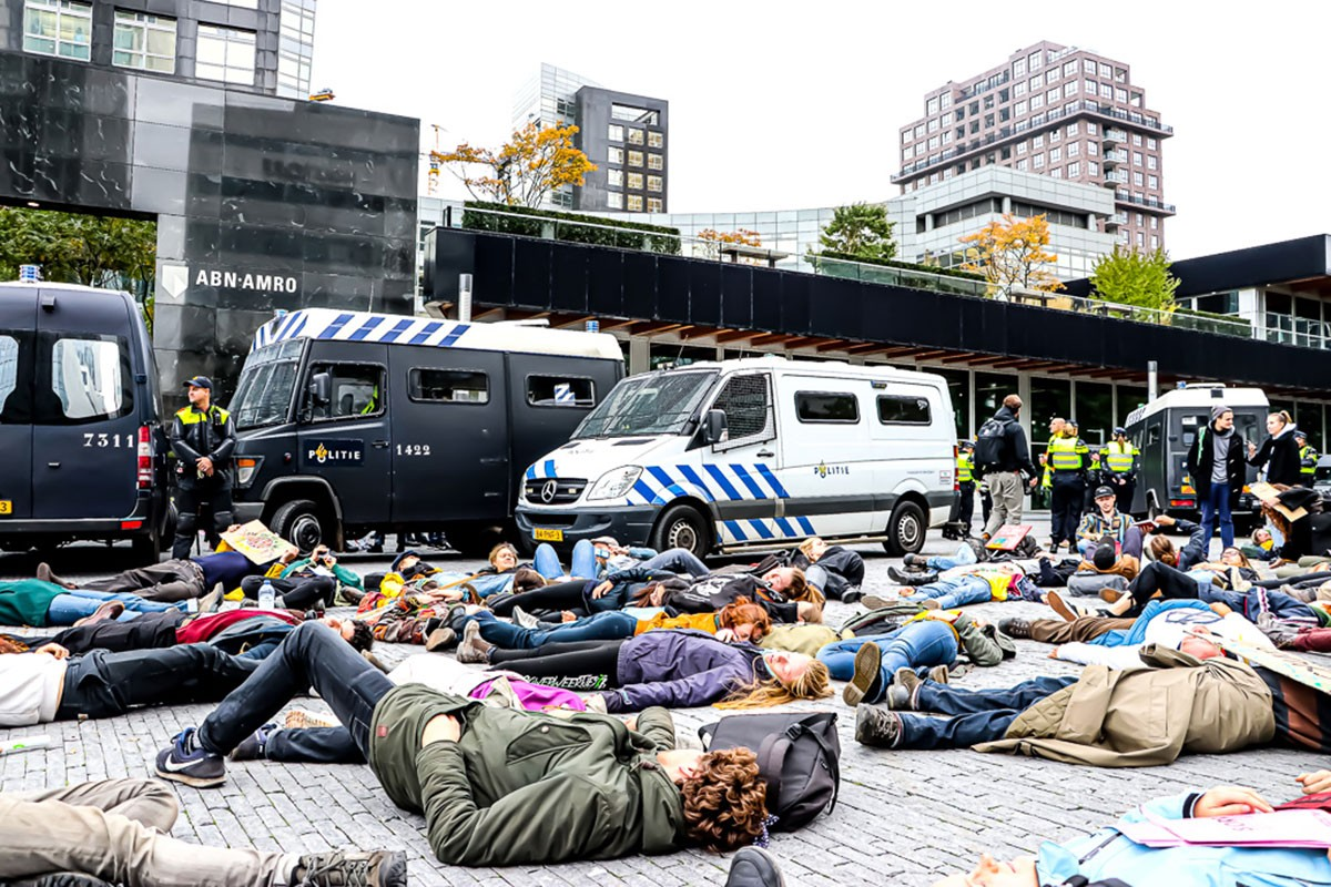 Hollanda'da iklim değişikliğine karşı işgal eylemleri