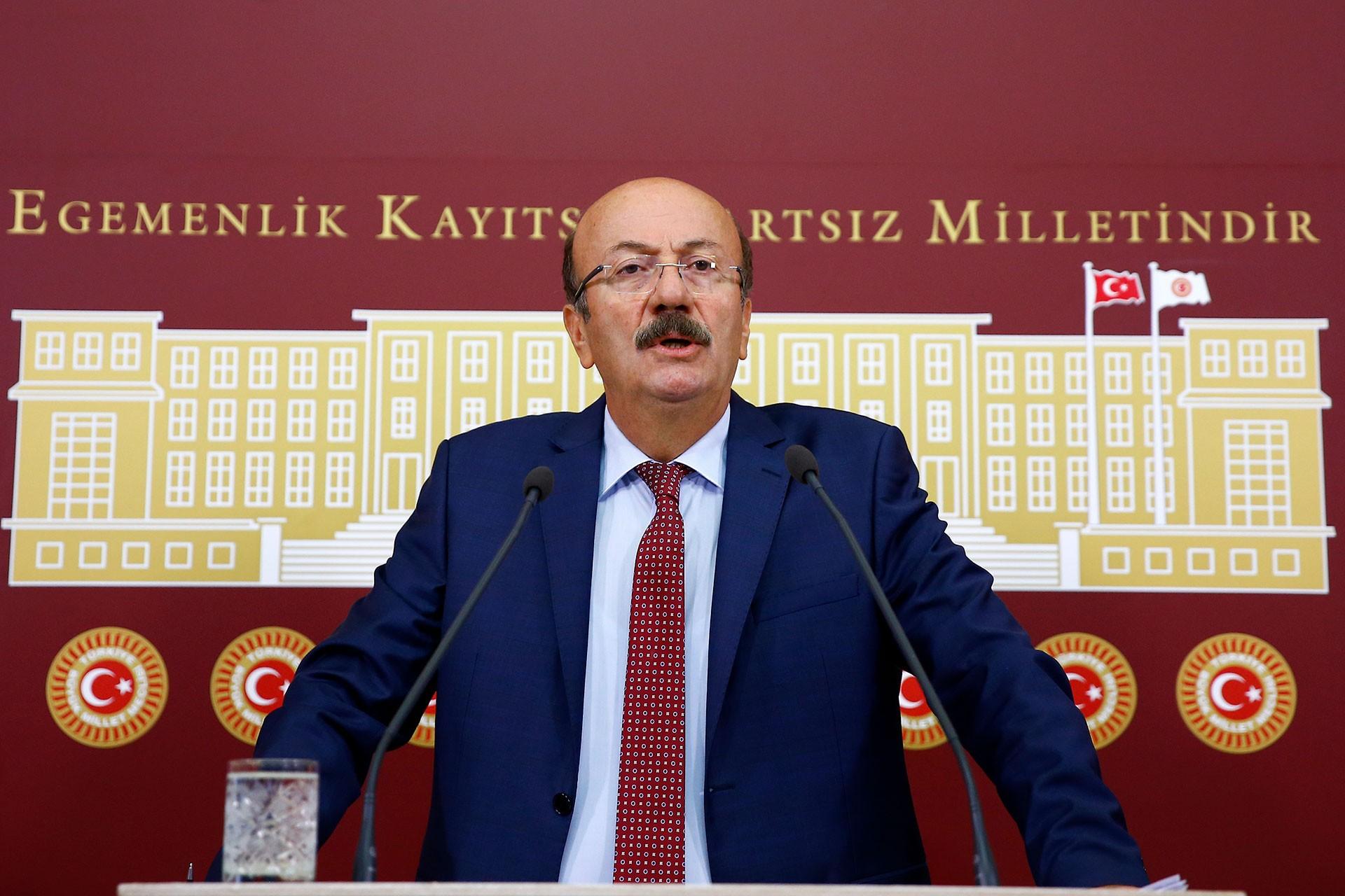 Mehmet Bekaroğlu: Varlık Fonu ile Türkiye bütçesi milletin denetiminden kaçırılıyor