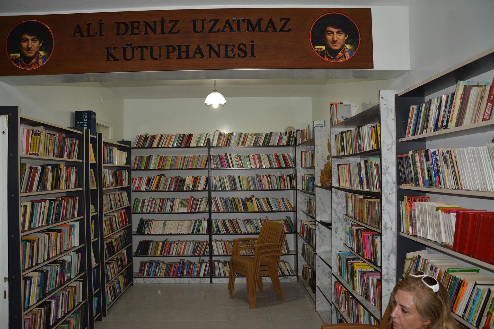 10 Ekim Katliamı'nın yıl dönümünde Antep'te Ali Deniz Uzatmaz Kütüphanesi açıldı