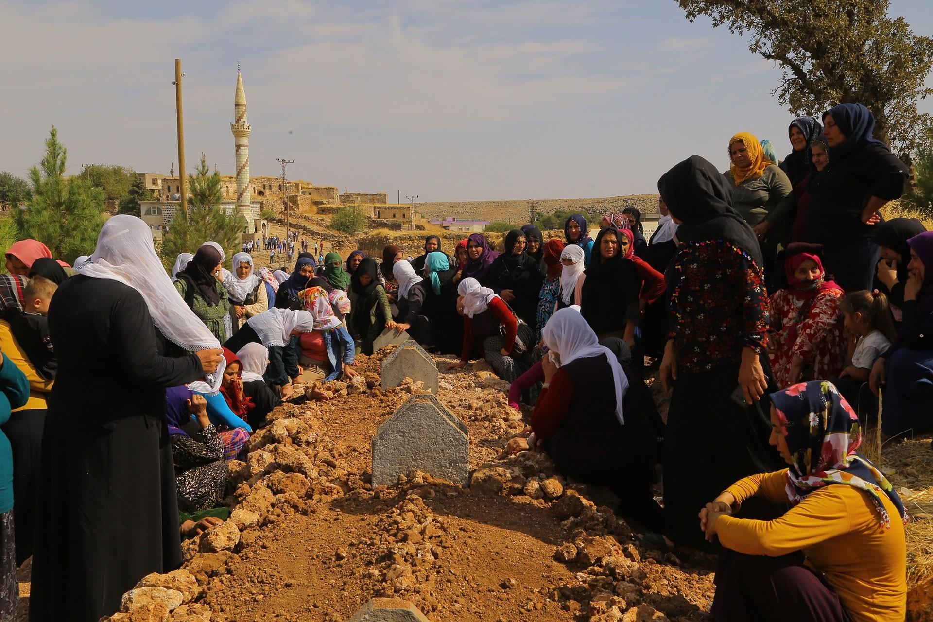 Nusaybin, Akçakale ve Ceylanpınar'da yaşamını yitiren 7 yurttaş toprağa verildi