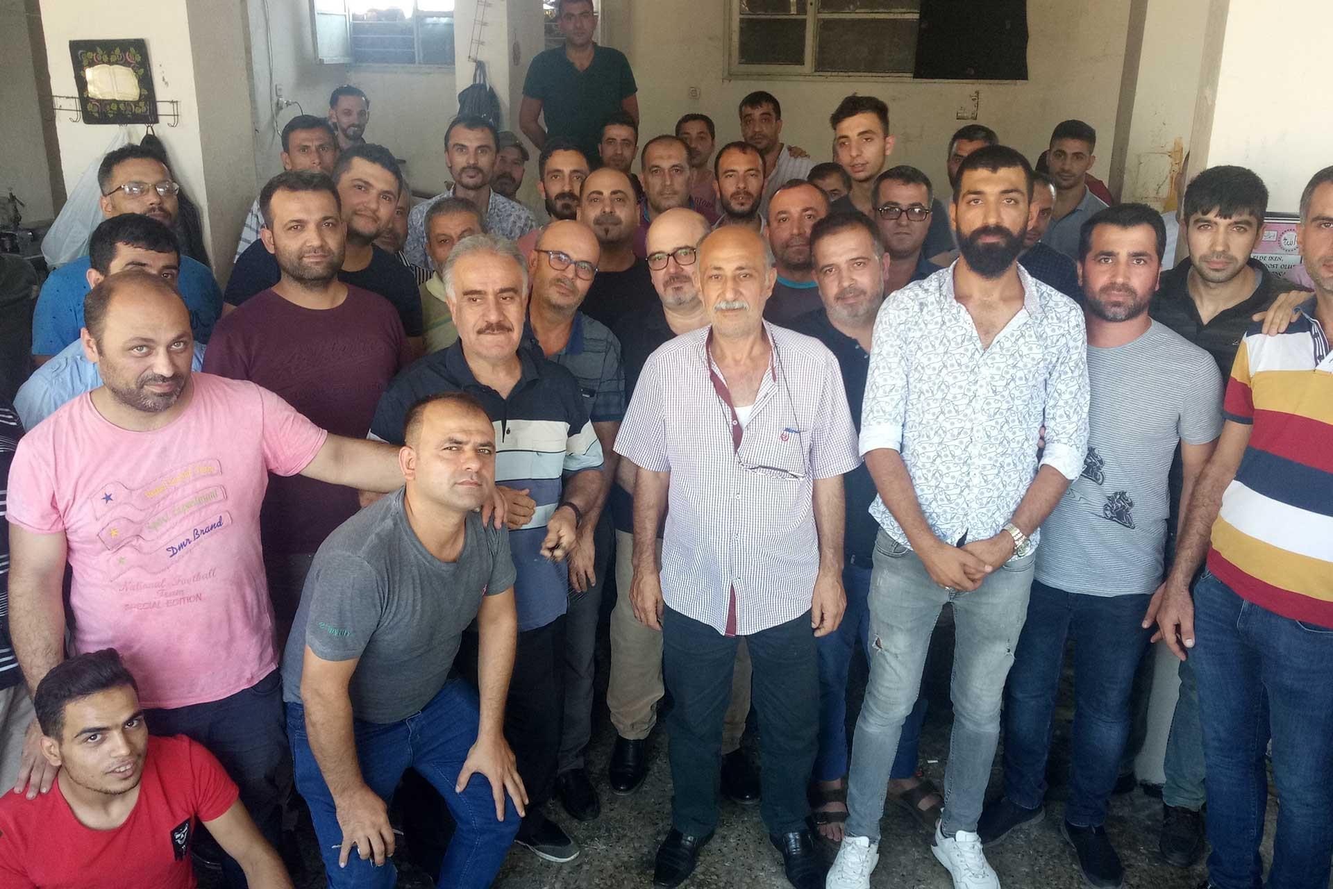 Sayacılar Adana'da greve çıkma kararı aldı
