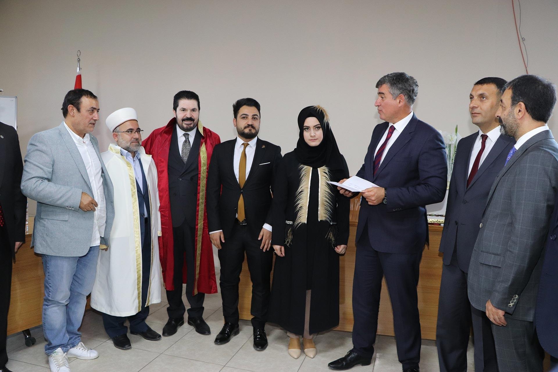 Ağrı'da belediye binasındaki dini nikaha TBB Başkanı Metin Feyzioğlu şahitlik yaptı