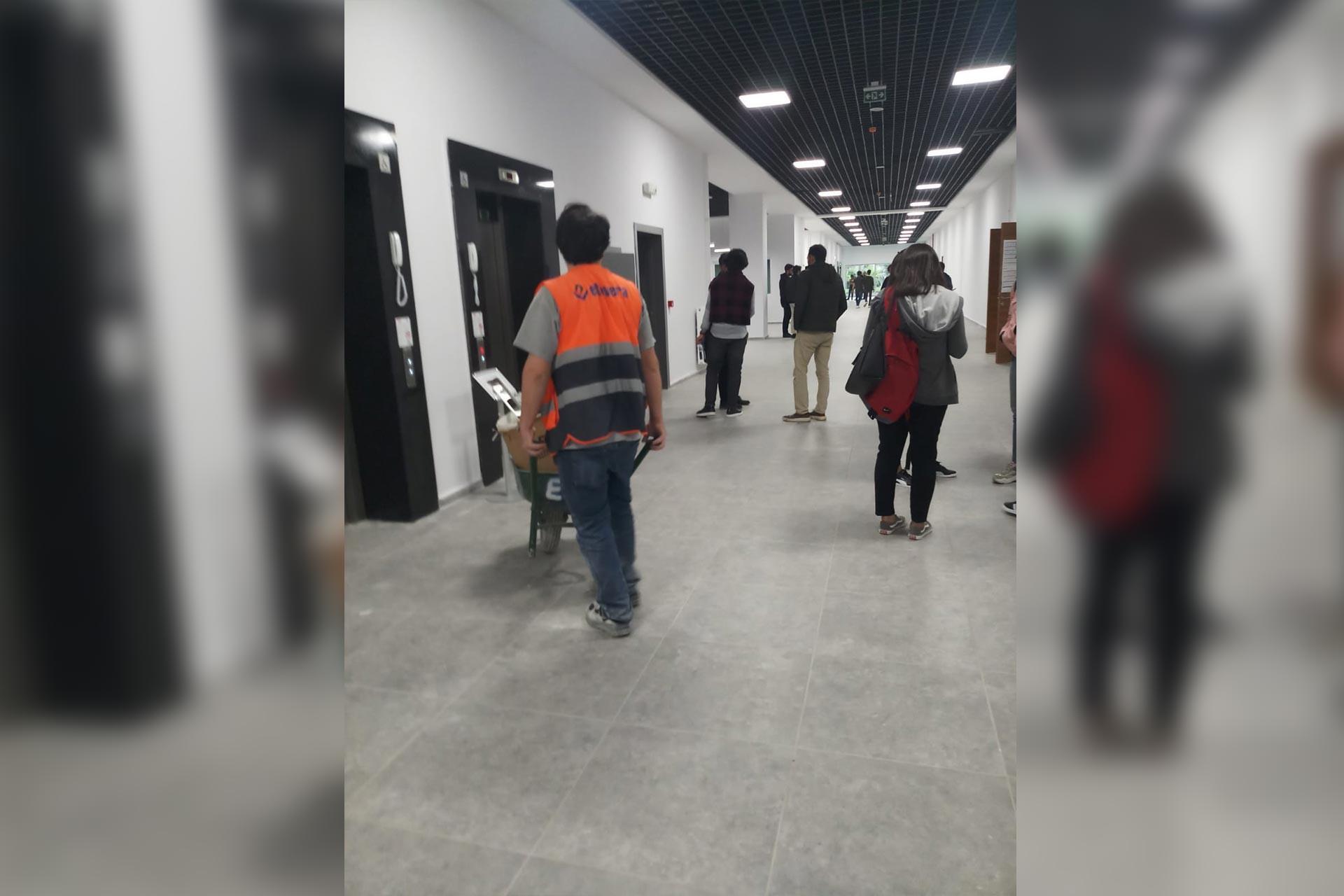 Marmara Üniversitesi Göztepe Kampüsünde inşaat bitmeden dersler başladı