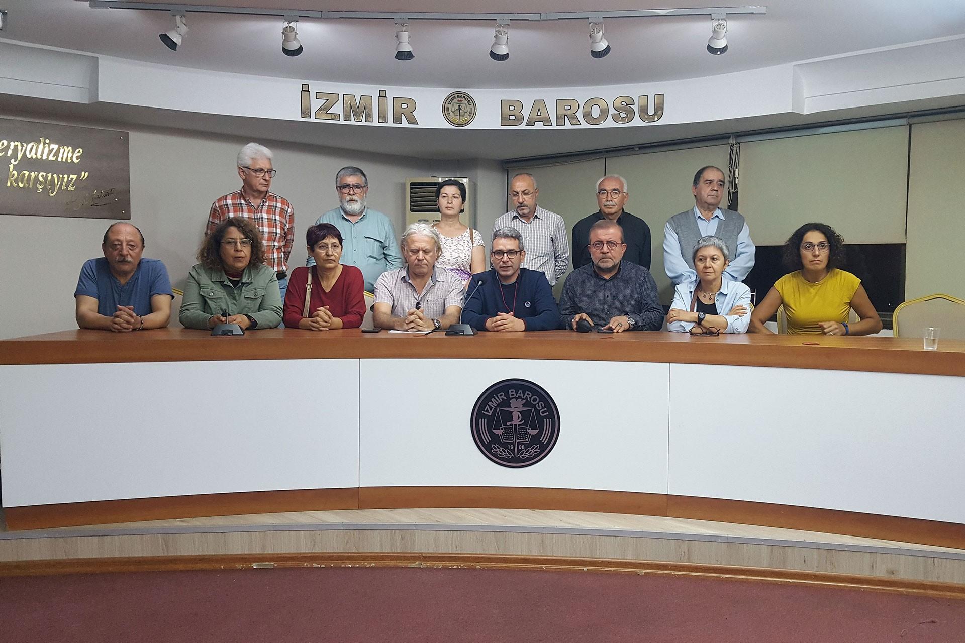 İzmir'de emek ve demokrasi güçleri; Adana'da kadınlar 'barış' çağrısı yaptı