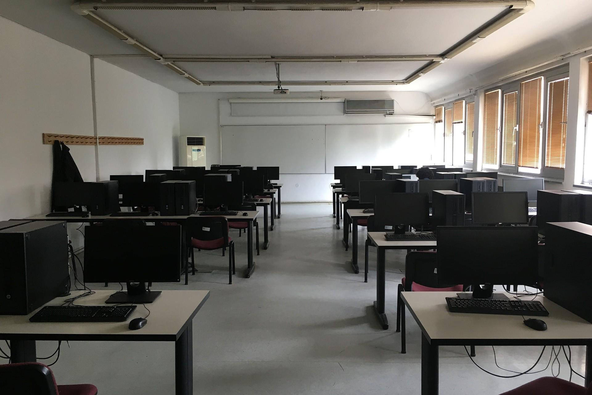 ODTÜ'lü öğrenciler: Sınıf ve laboratuvarlarda  sandalye kapmaca oynuyoruz