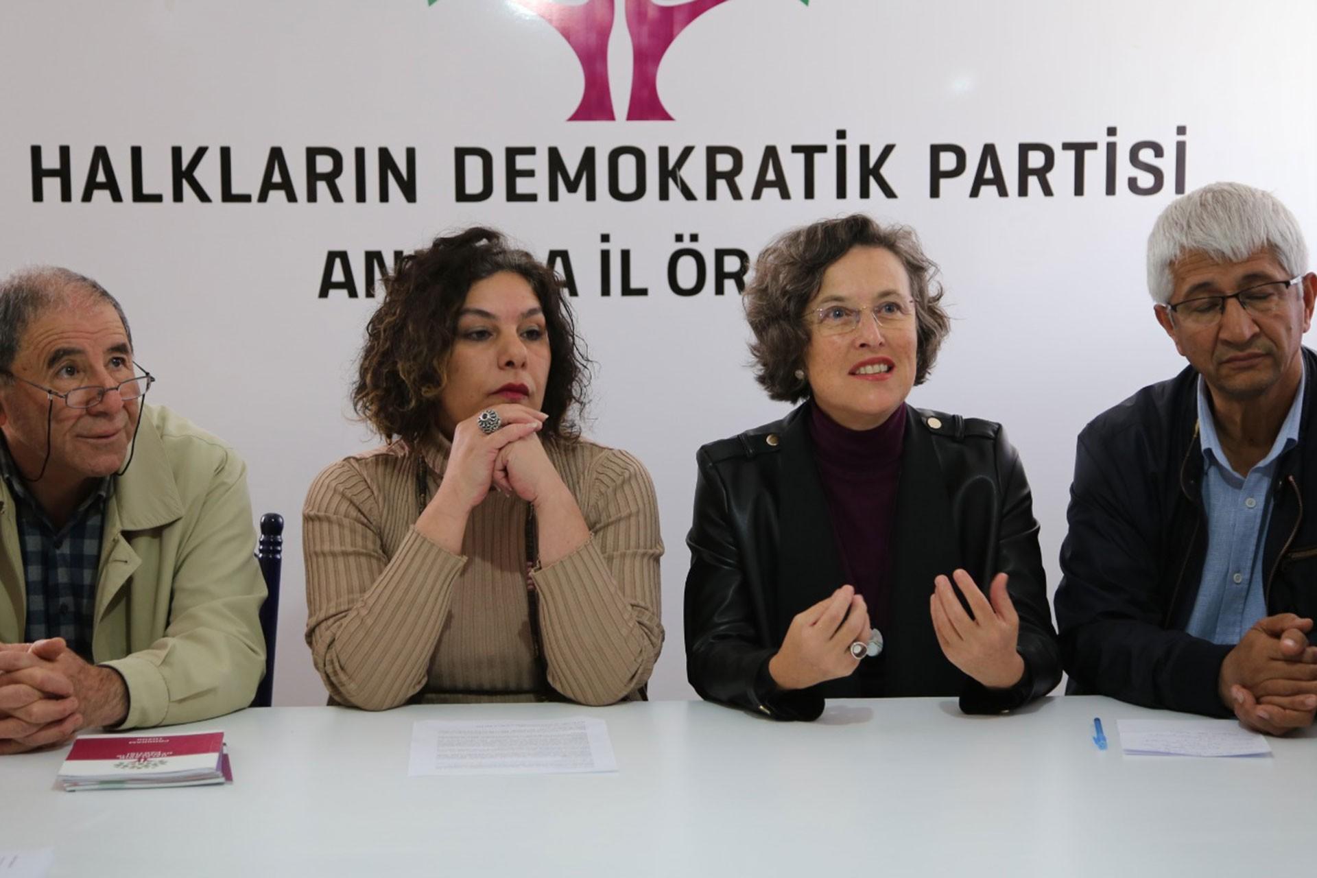 Ankara'da 'demokrasi buluşması'na valilik engeli