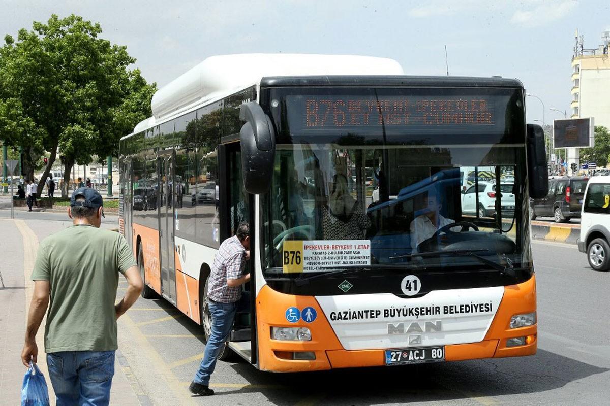 Antep'te öğrenciler, indirimli ulaşım kartı teklifinin reddedilmesine tepkili