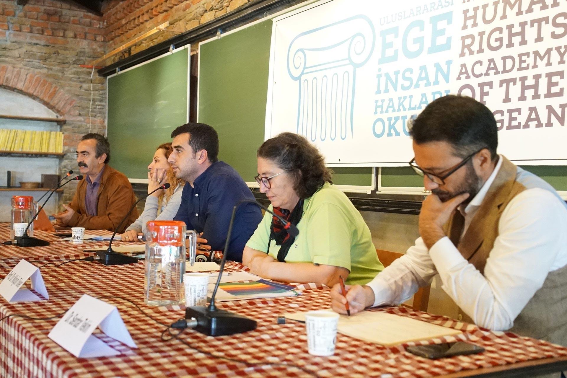 Ege İnsan Hakları Okulu 'Ablukayı Dağıtmak' forumuyla sona erdi