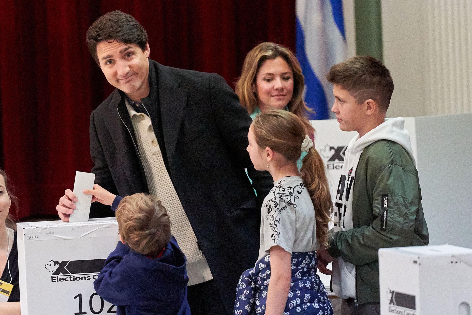 Kanada'da Başbakan Trudeau tek başına hükümet kuracak çoğunluğa erişemedi