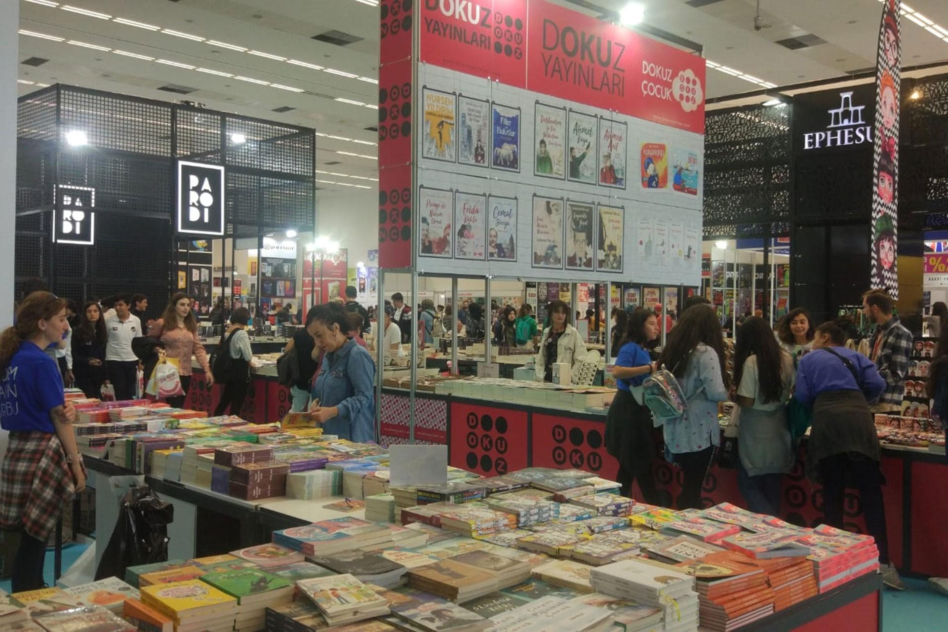 Ankara Kitap Fuarı devam ediyor: İlgi yoğun, alım az