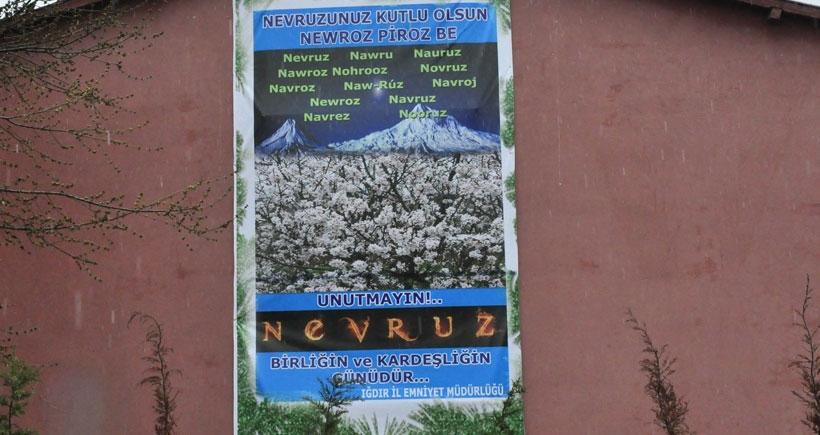 Iğdır emniyeti, Kürtçe Newroz afişi astı