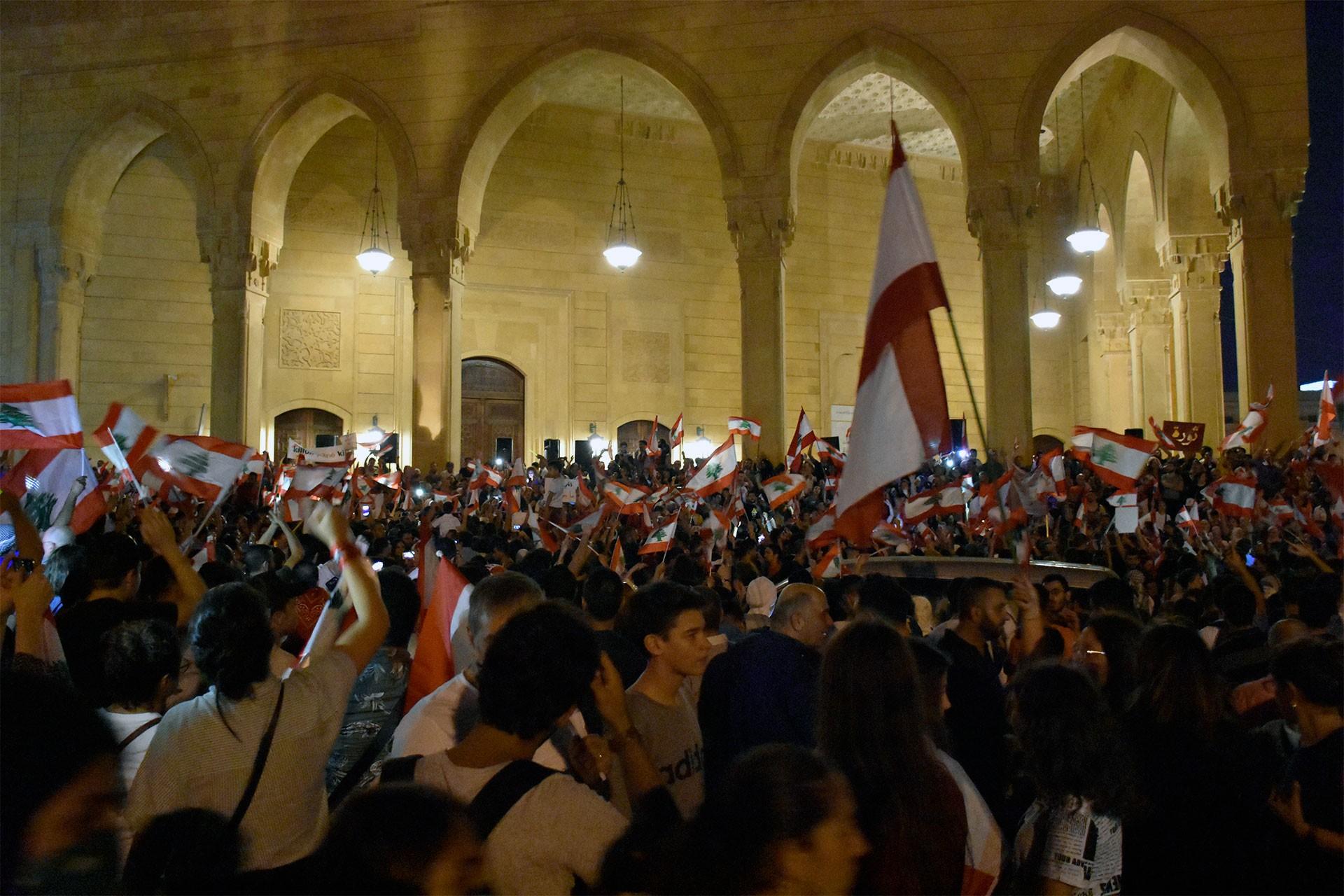 Arap basınında Lübnan: Mezhepçi siyasi düzene karşı bir devrim