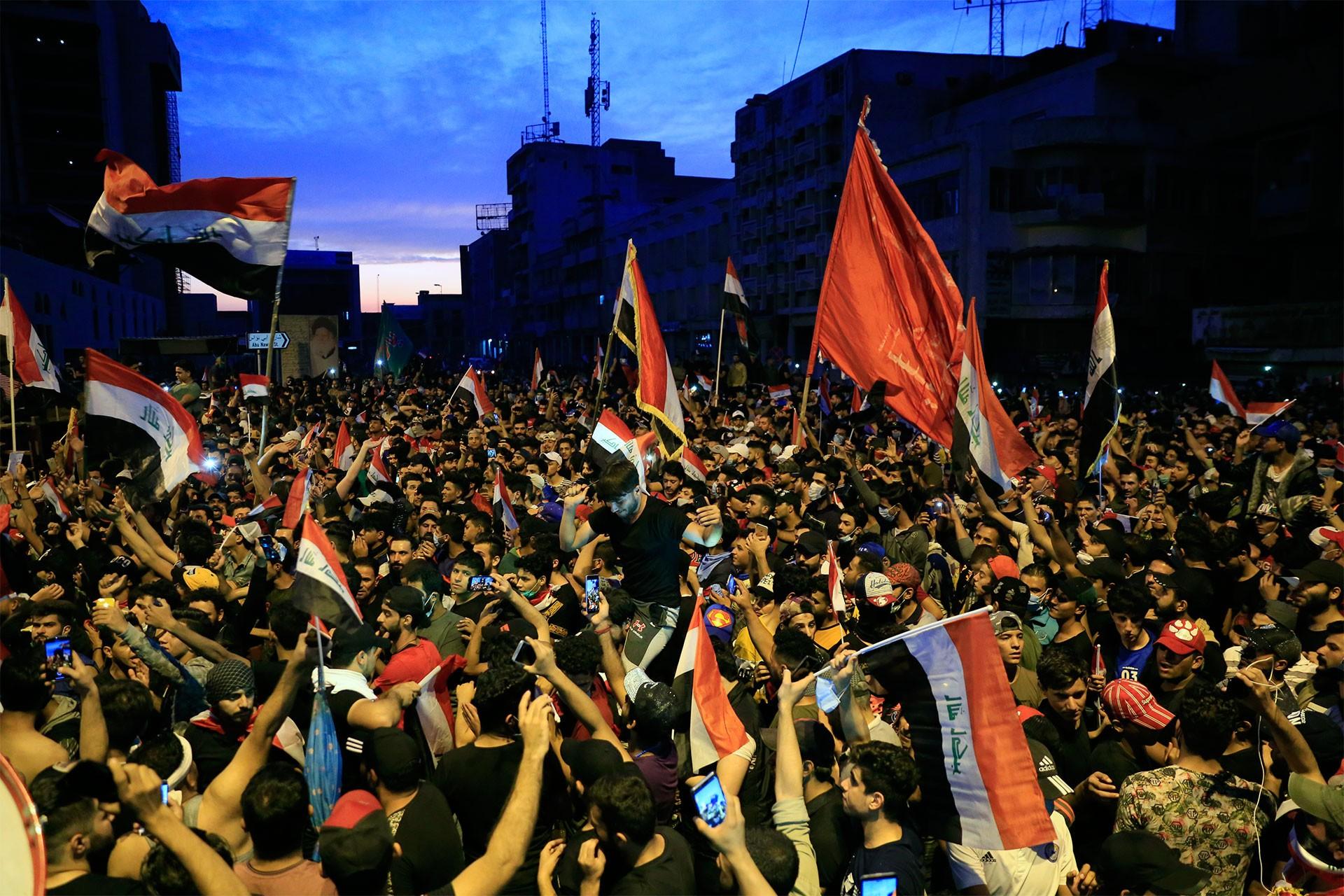 Irak'ta protestolar üzerine hükümet yetkilileri kaçtı