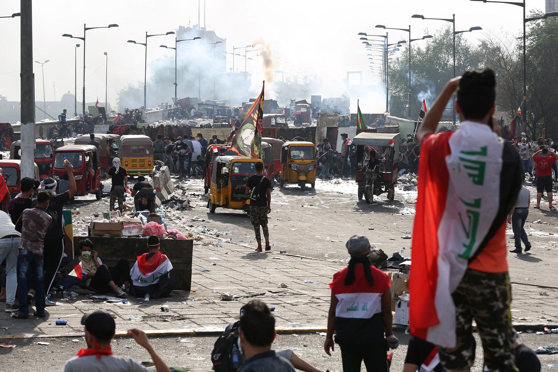 Bağdat'ta gösteriler sürüyor: Halk rejimi devirmek istiyor
