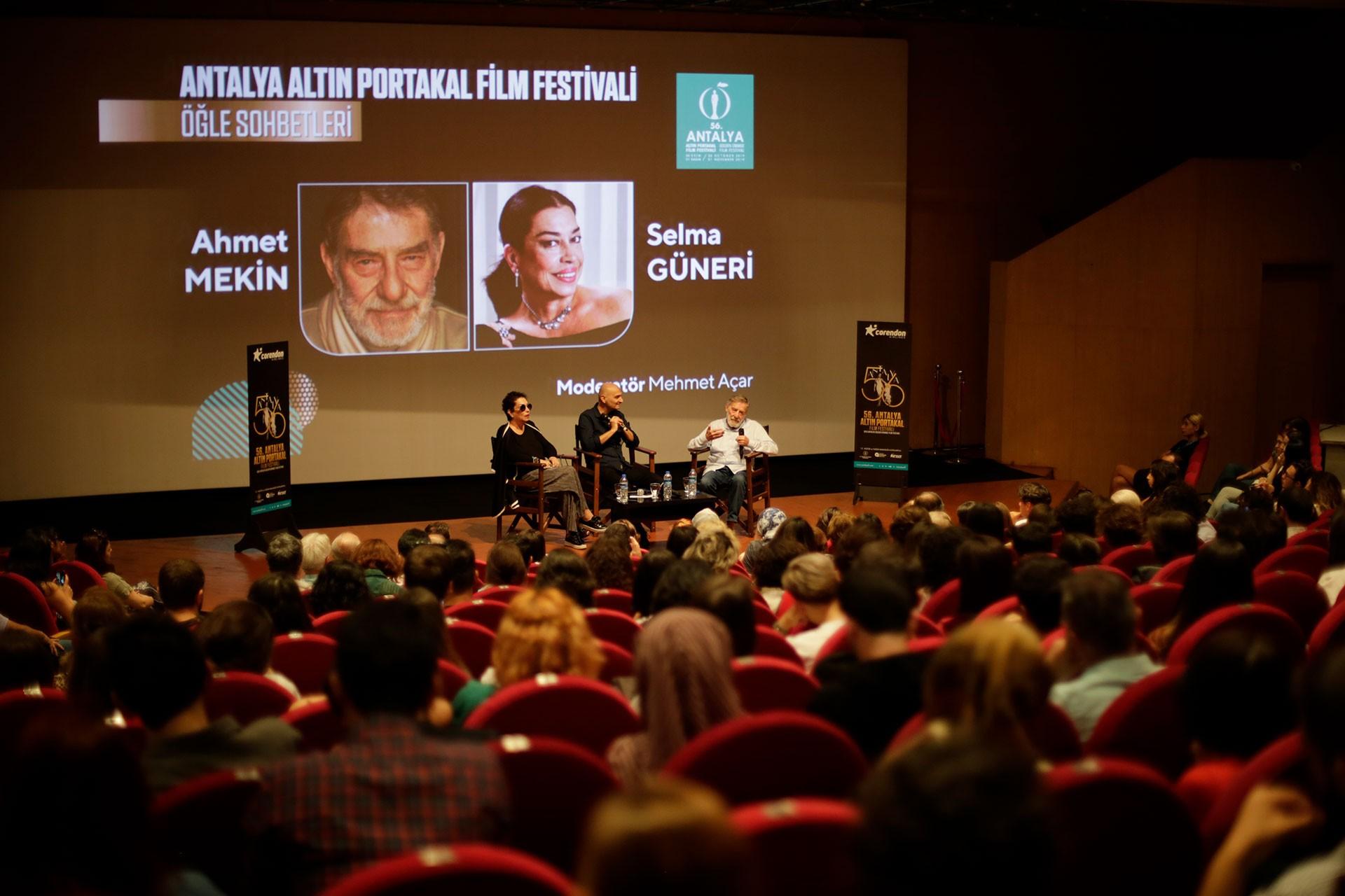 Altın Portakal Film Festivali devam ediyor: Halk kendi özüne döndü