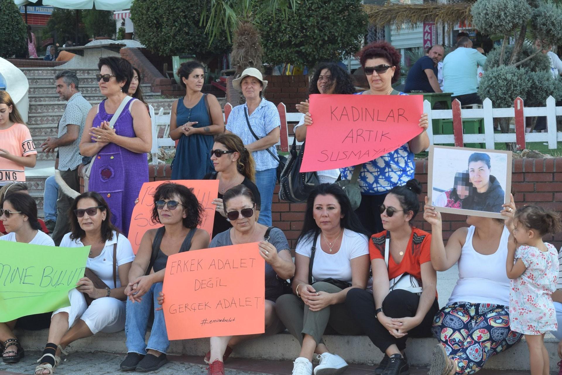 Aliağa'da 'kadın sığınmaevi yeniden açılsın' talebi