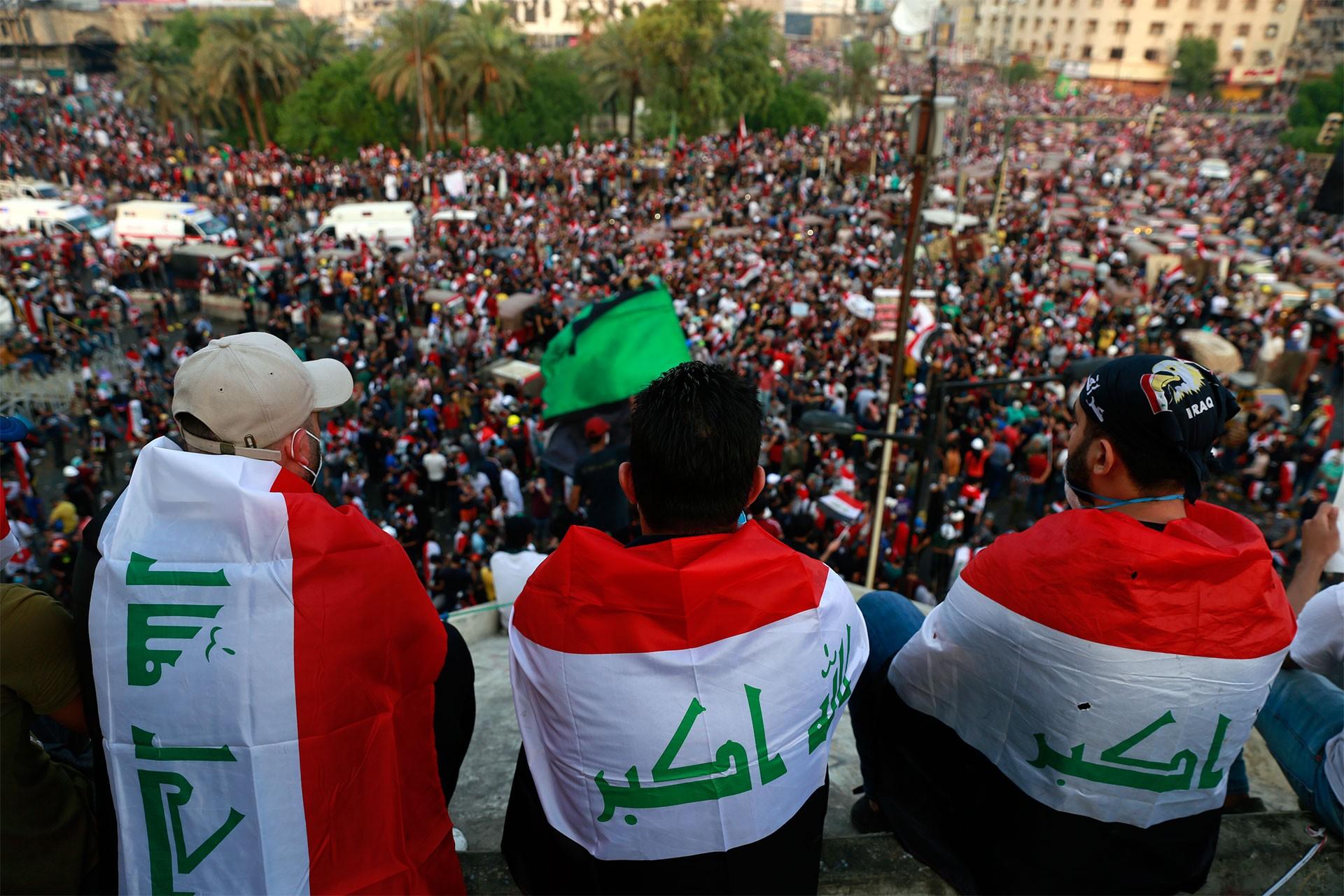 Iraklılar hükümeti istifaya çağırıyor; siyasilerin gündemi erken seçim